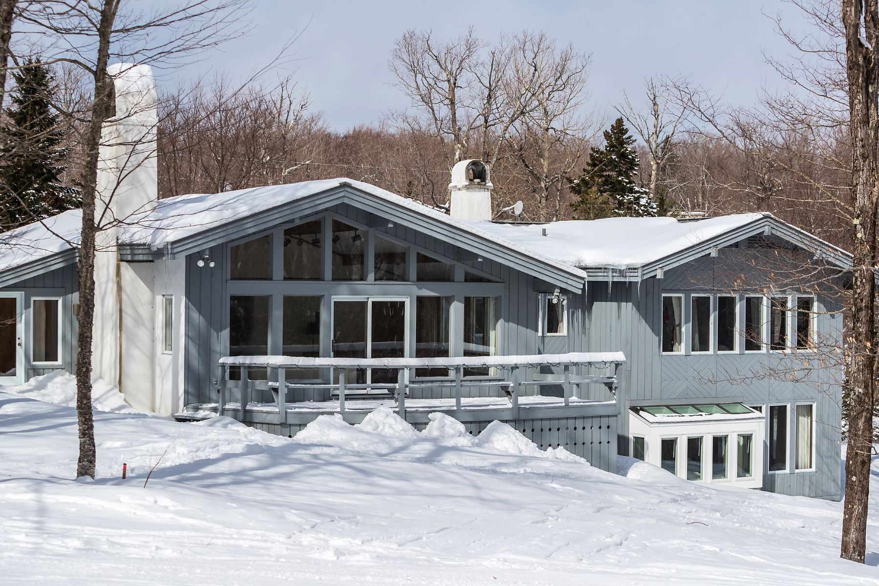 Single Family Home for Sale at 219 North Brookwood Road, Stratton 219 North Brookwood Rd Stratton, Vermont 05155 United States