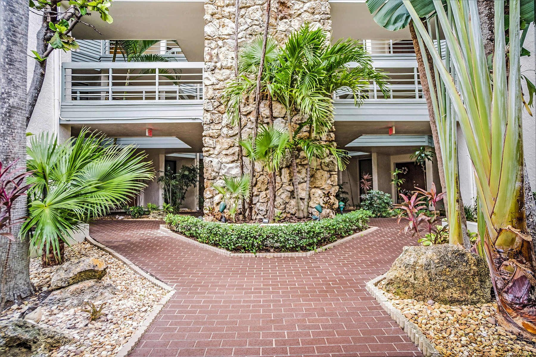 Beautifully Renovated 3/2 Condo in Indialantic By the Sea. 700 Wavecrest Avenue Unit 106 Indialantic, Florida 32903 Förenta staterna