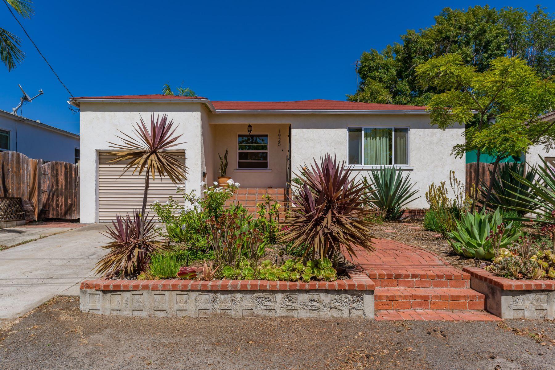 Single Family Homes para Venda às 1925 Englewood Drive. Lemon Grove, CA 91945 Lemon Grove, Califórnia 91945 Estados Unidos