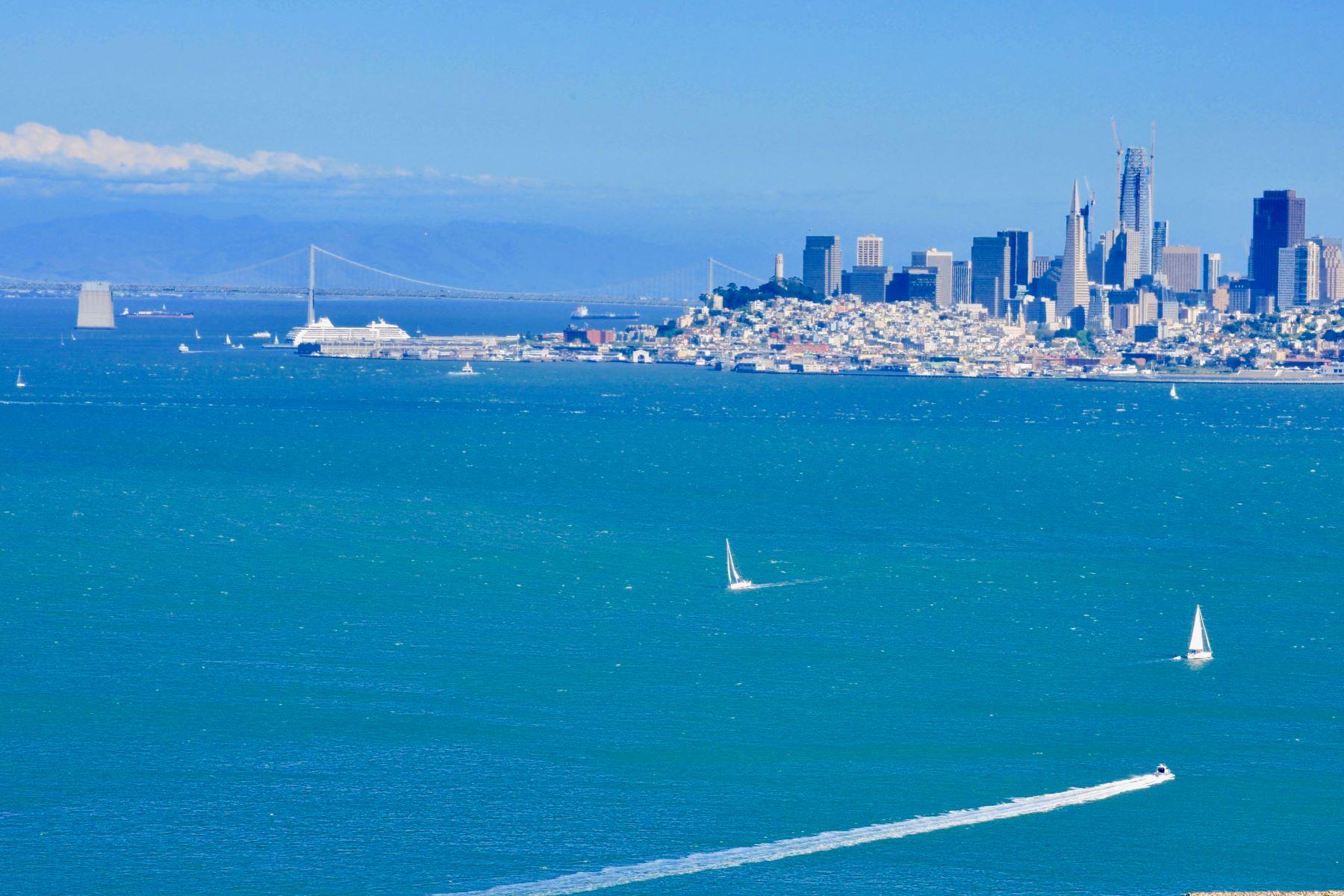 独户住宅 为 出租 在 Charming Sausalito Home with Spectacular San Francisco Views and Swimming Pool! 25 Spencer Court 索萨利托, 加利福尼亚州 94965 美国