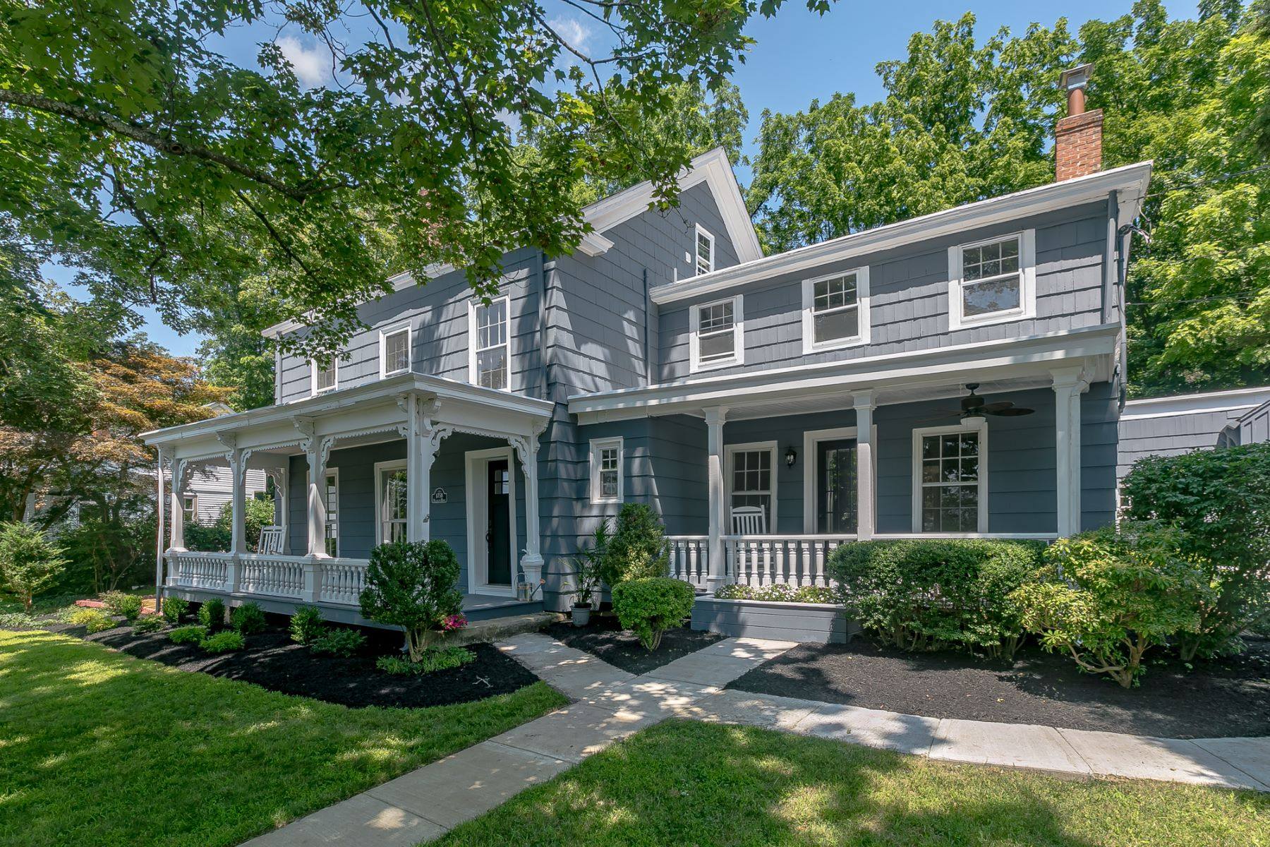 Single Family Homes for Sale at Charming Colonial 48 Sunnyslope Long Hill Township, New Jersey 07946 United States