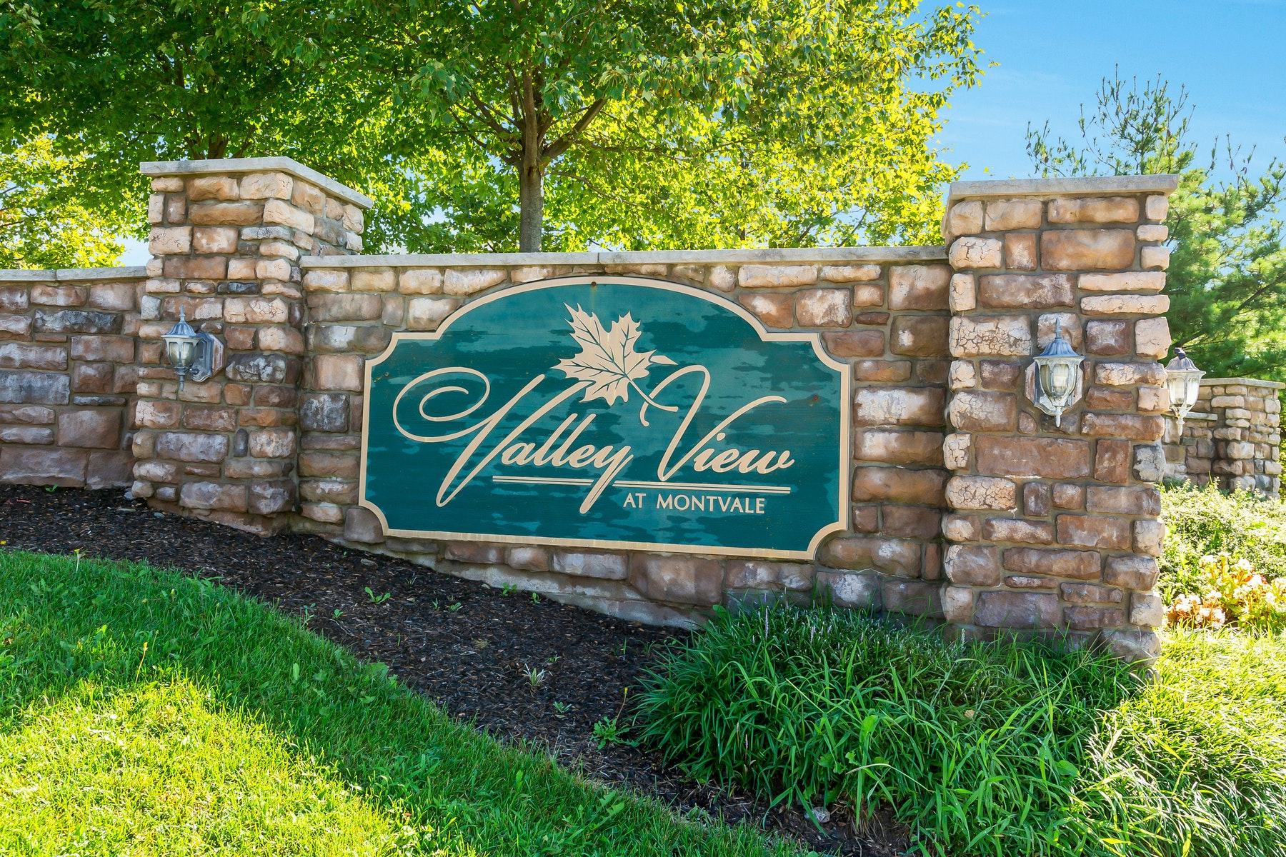townhouses for Active at Valley View At Montvale 7A Sweeny Court Montvale, New Jersey 07645 United States