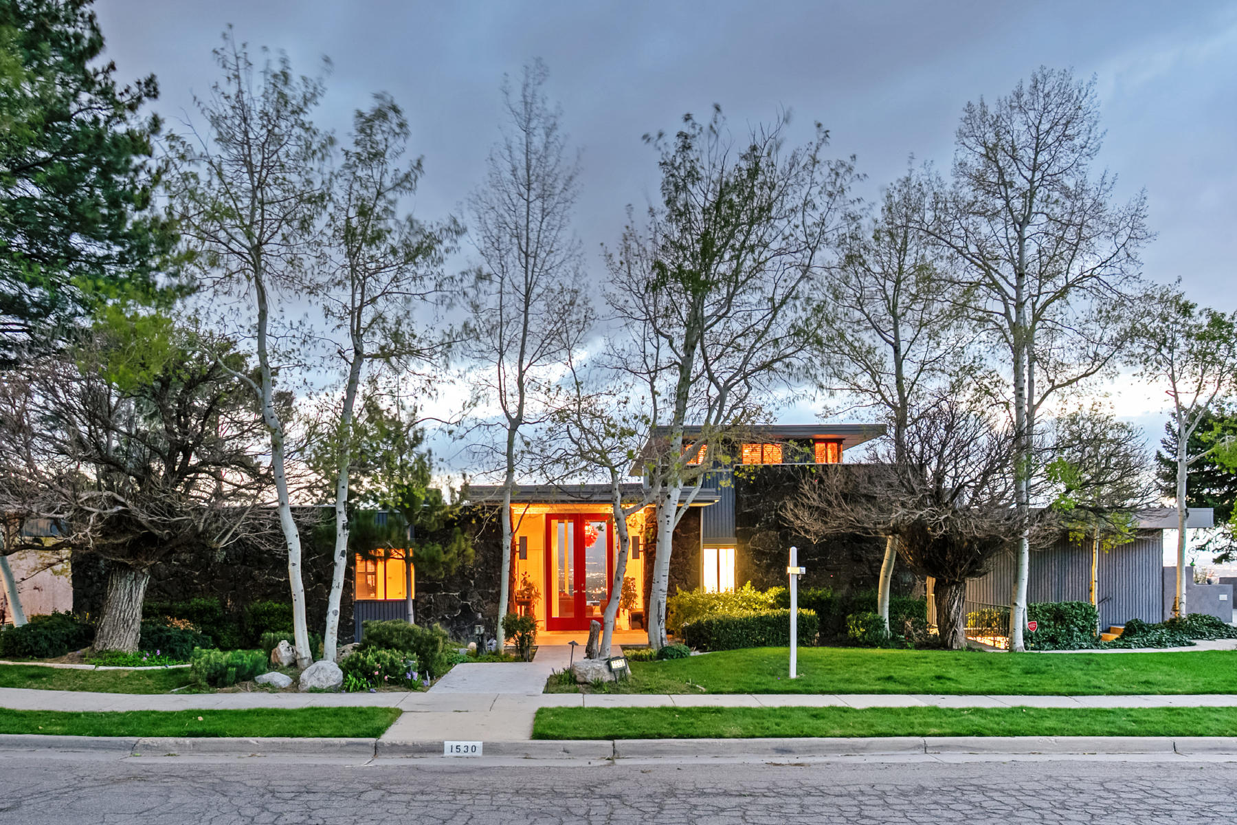 Single Family Home for Sale at Mid-Modern Multiplied by Mountain Valley Views 1530 S Indian Hills Dr Salt Lake City, Utah, 84108 United States