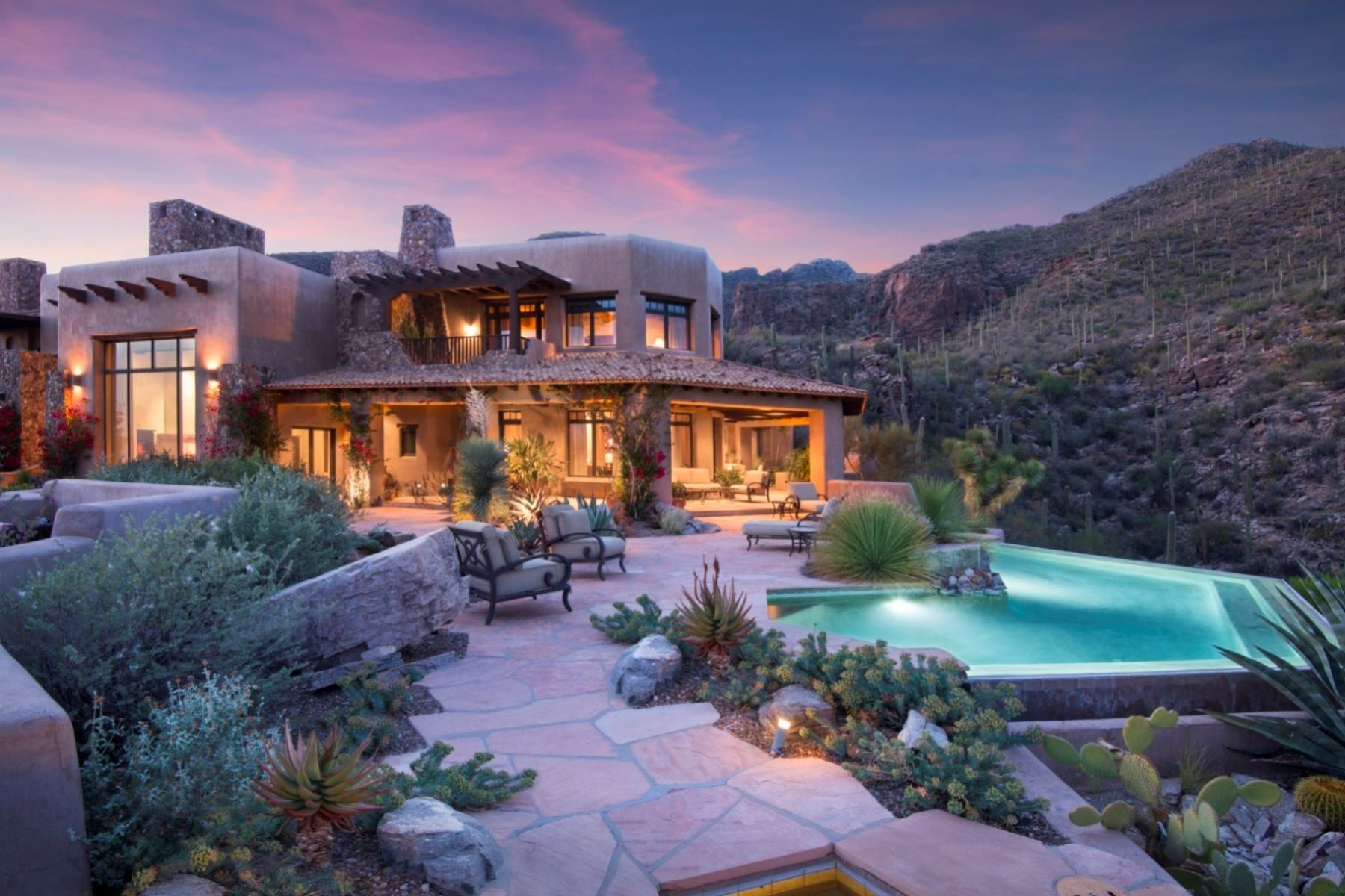 Single Family Homes για την Πώληση στο Private, Luxurious Estate with Exceptional Views 6799 N Rattlesnake Canyon Road, Tucson, Αριζονα 85750 Ηνωμένες Πολιτείες