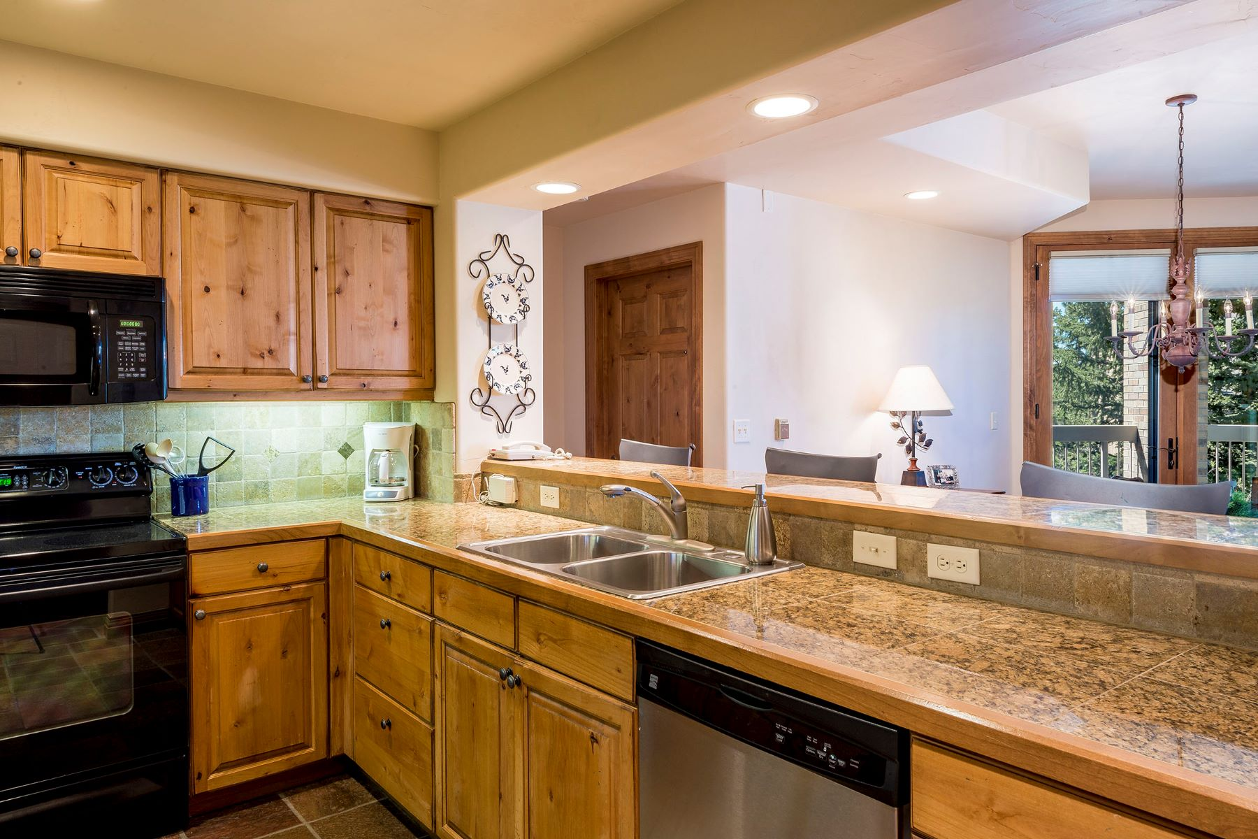 Additional photo for property listing at Chateau Chamonix Ski-In Luxury 2340 Apres Ski Way C325 Steamboat Springs, Colorado 80487 United States