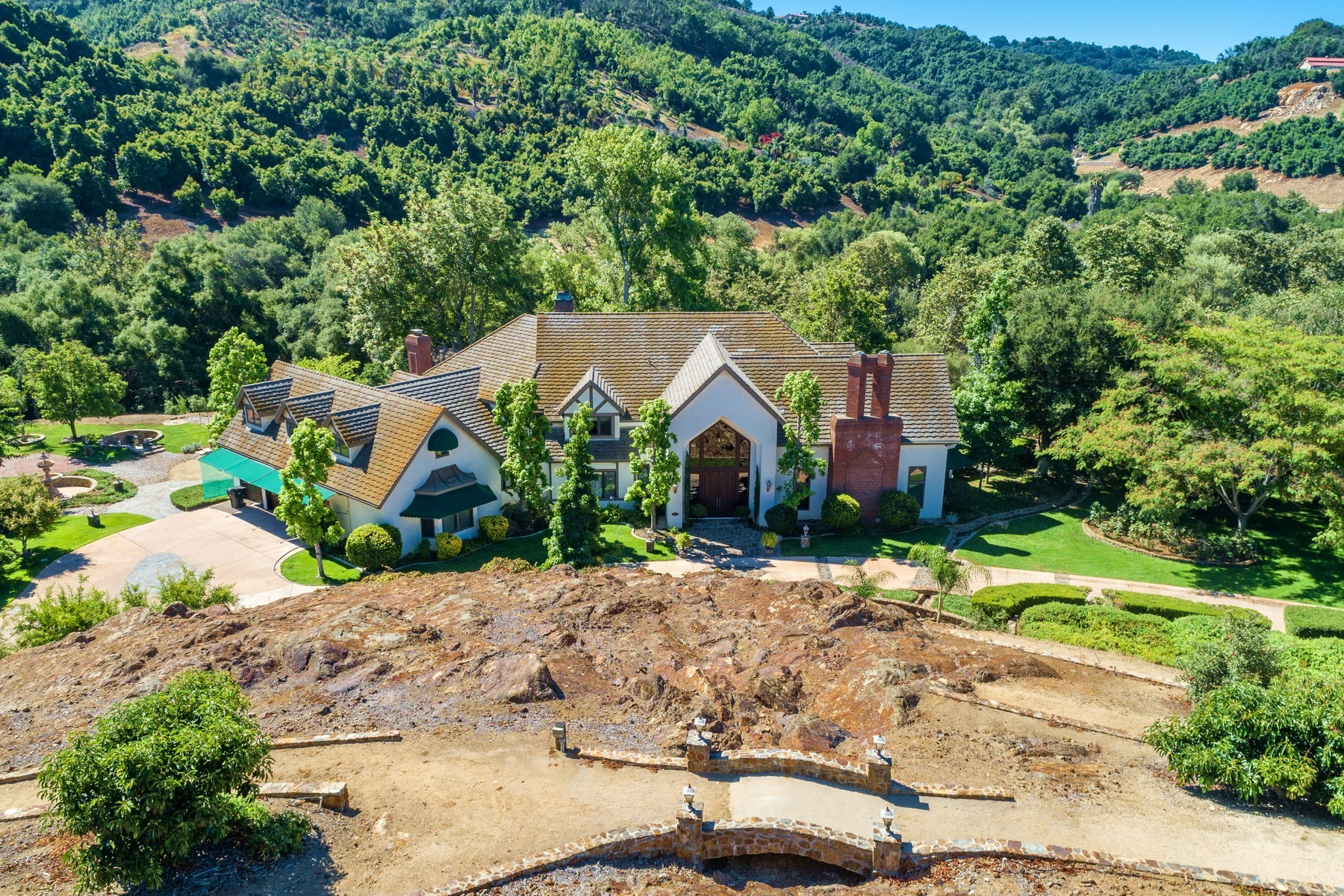 Single Family Homes for Sale at 24892 Ravensview Ct Temecula, California 92592 United States