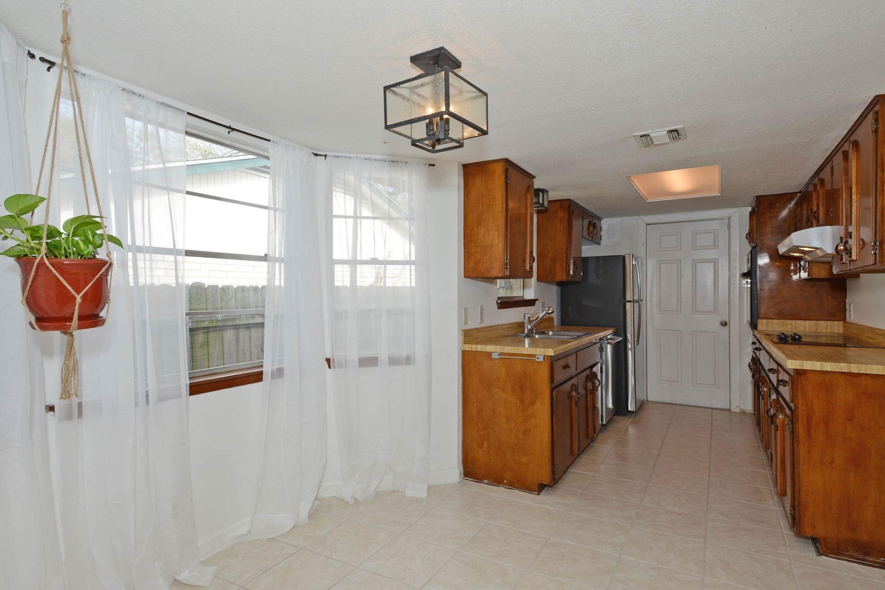 Additional photo for property listing at 8403 Brixton Lease 8403 Brixton San Antonio, Texas 78254 Estados Unidos