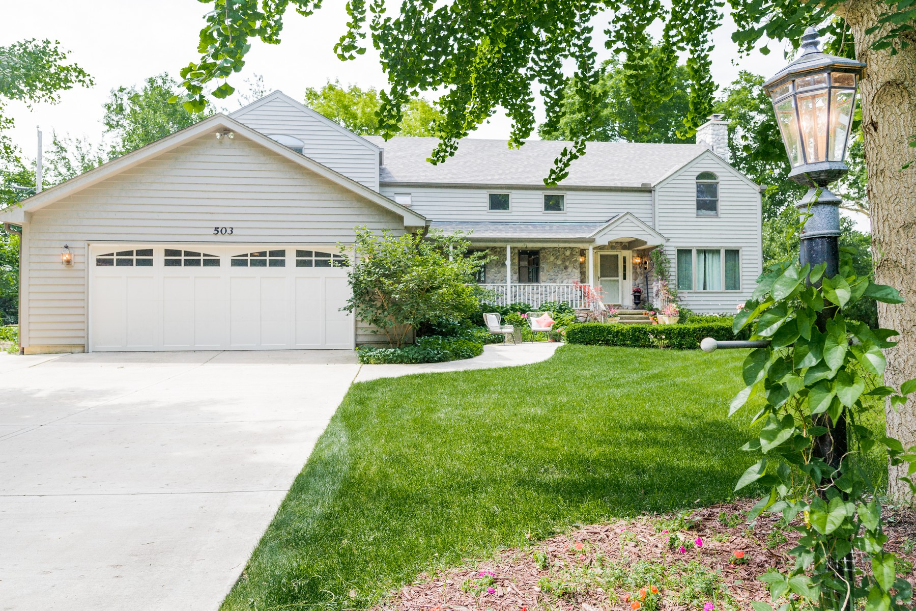 Single Family Home for Sale at Live Waterfront! 503 E Lake Shore Drive Tower Lakes, Illinois 60010 United States
