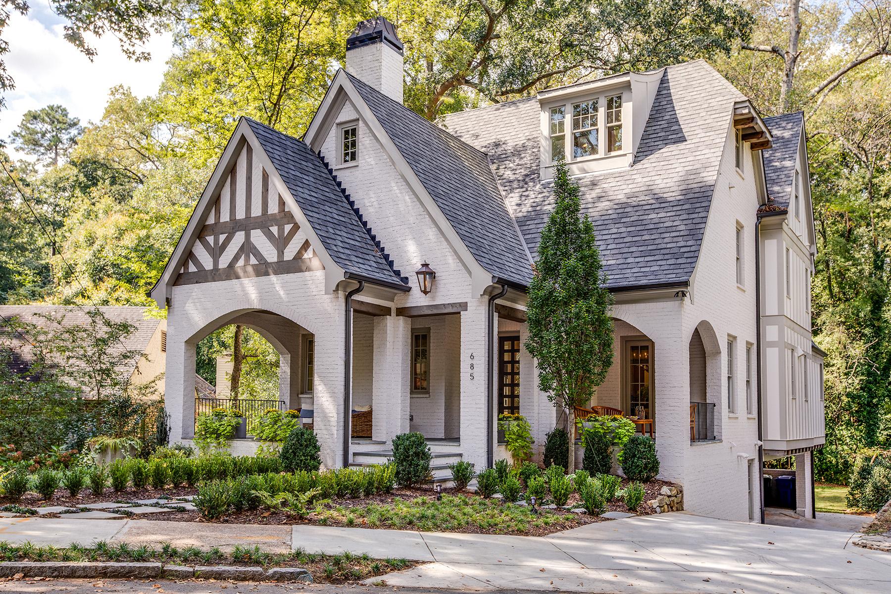 一戸建て のために 売買 アット Contemporary Tudor in Morningside 685 Amsterdam Avenue NE Atlanta, ジョージア 30306 アメリカ合衆国
