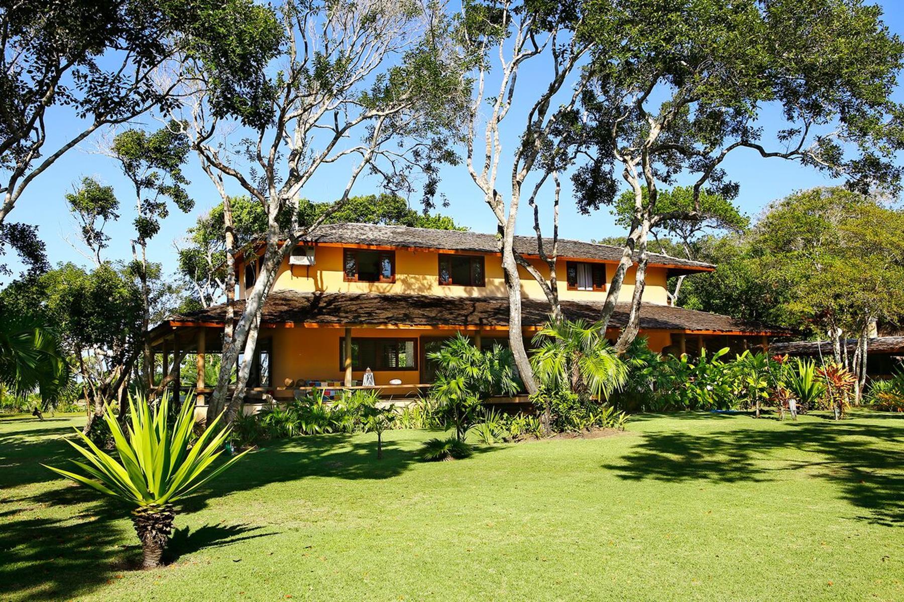 Single Family Homes por un Venta en Harmony with nature Praça da Independência Trancoso, Bahia 45818-000 Brasil