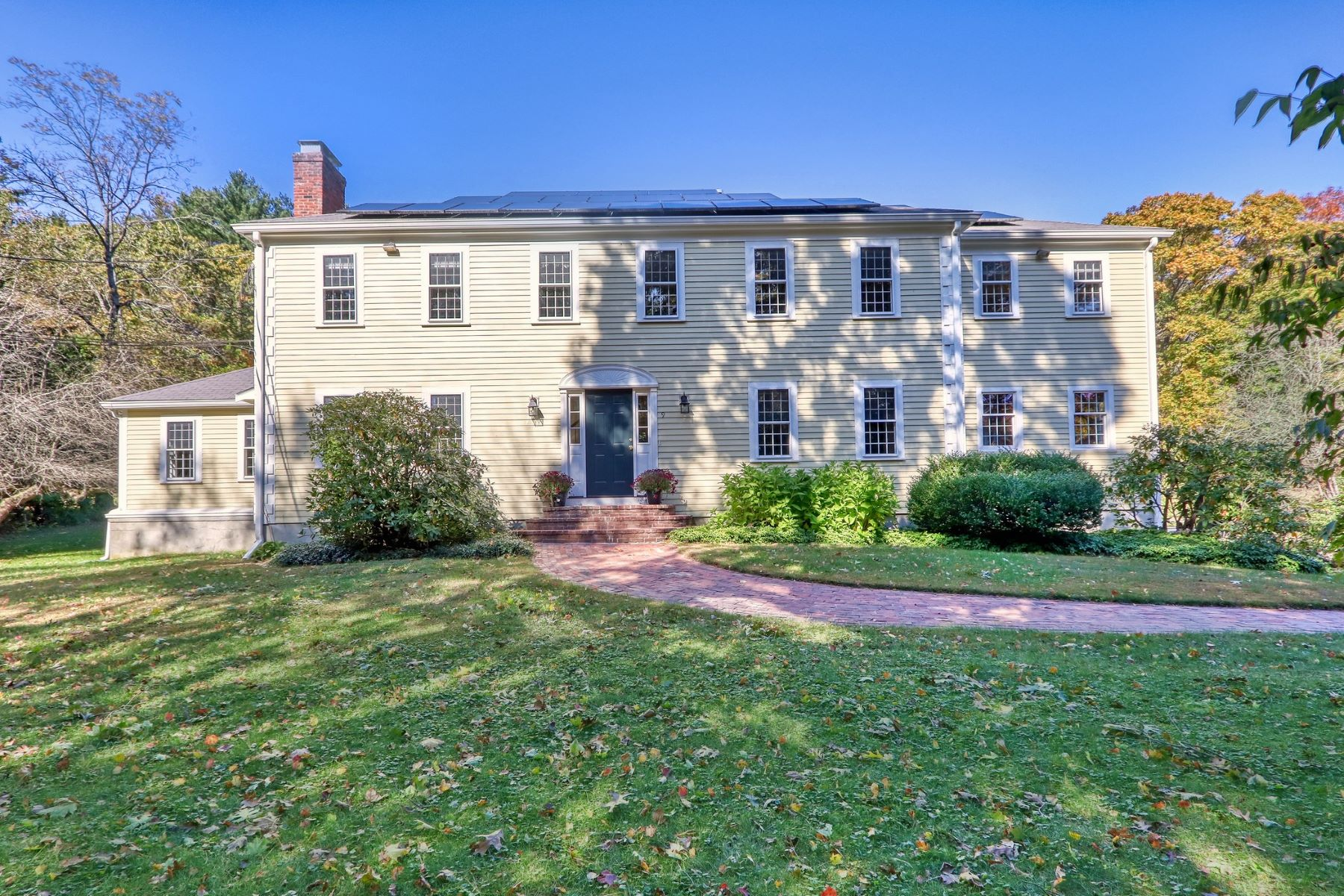 Single Family Homes for Sale at 9 Old Sudbury Road Lincoln, Massachusetts 01773 United States