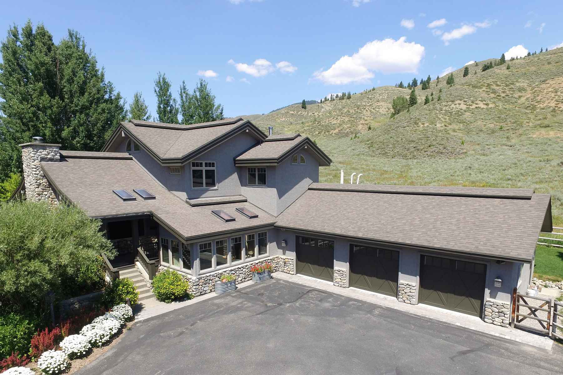 Casa Unifamiliar por un Venta en The Quintessential Idaho Home 13391 Highway 75 North Of Ketchum, Ketchum, Idaho, 83340 Estados Unidos