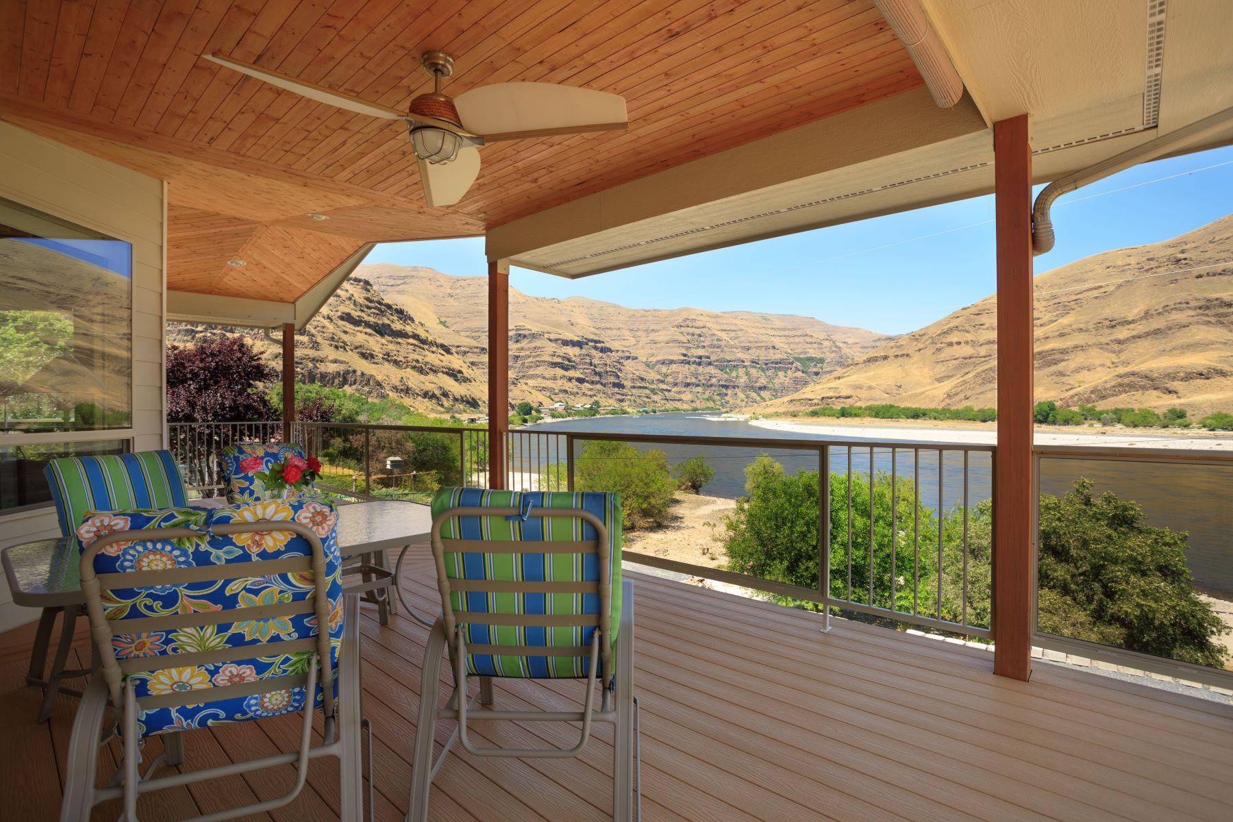 Single Family Home for Sale at Stunning Riverfront Property in Hells Canyon 4505 Rogersburg Rd Asotin, Washington 99402