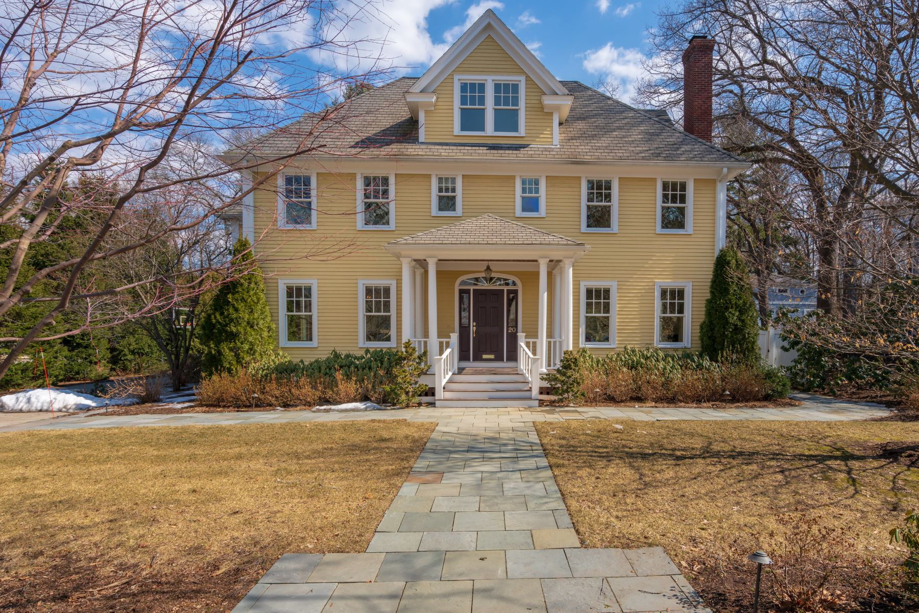 Single Family Home for Active at 20 Vista Ave Newton, Massachusetts 02466 United States