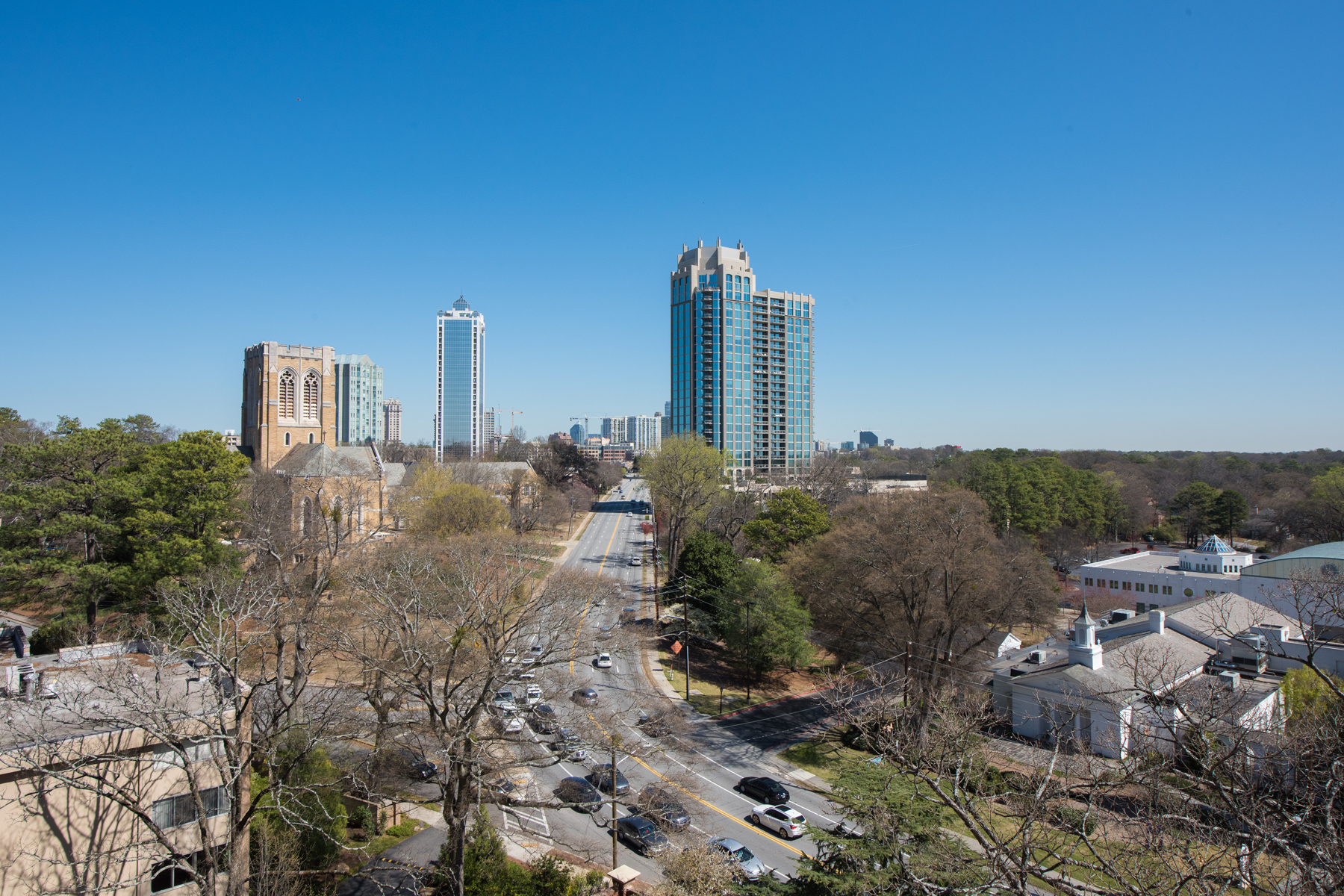 Cooperativa por un Venta en The Wakefield Co-Op 2724 Peachtree Road NW Unit 701 Atlanta, Georgia, 30305 Estados Unidos