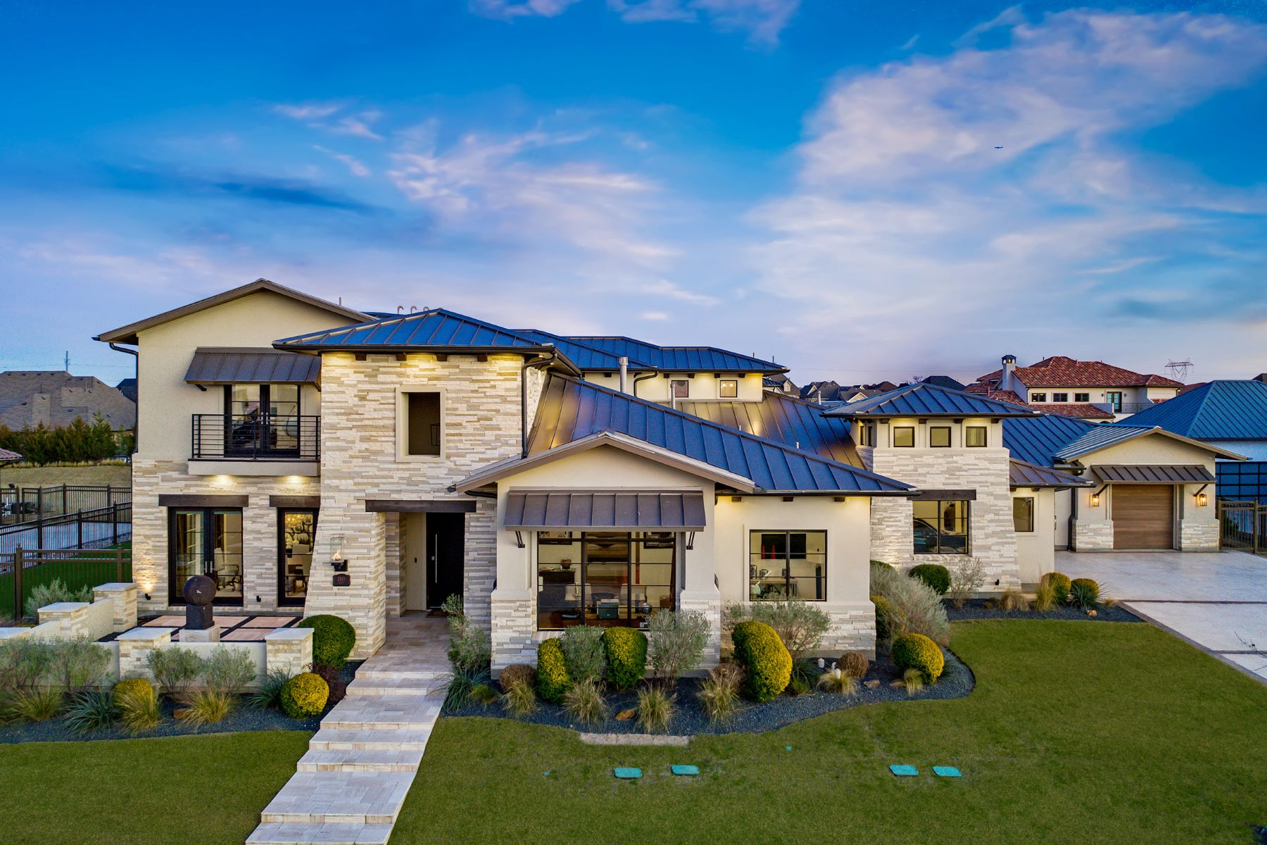 Single Family Homes for Active at Gorgeous Contemporary Home on 0.7809 Acres 2143 Lilac Lane Frisco, Texas 75034 United States