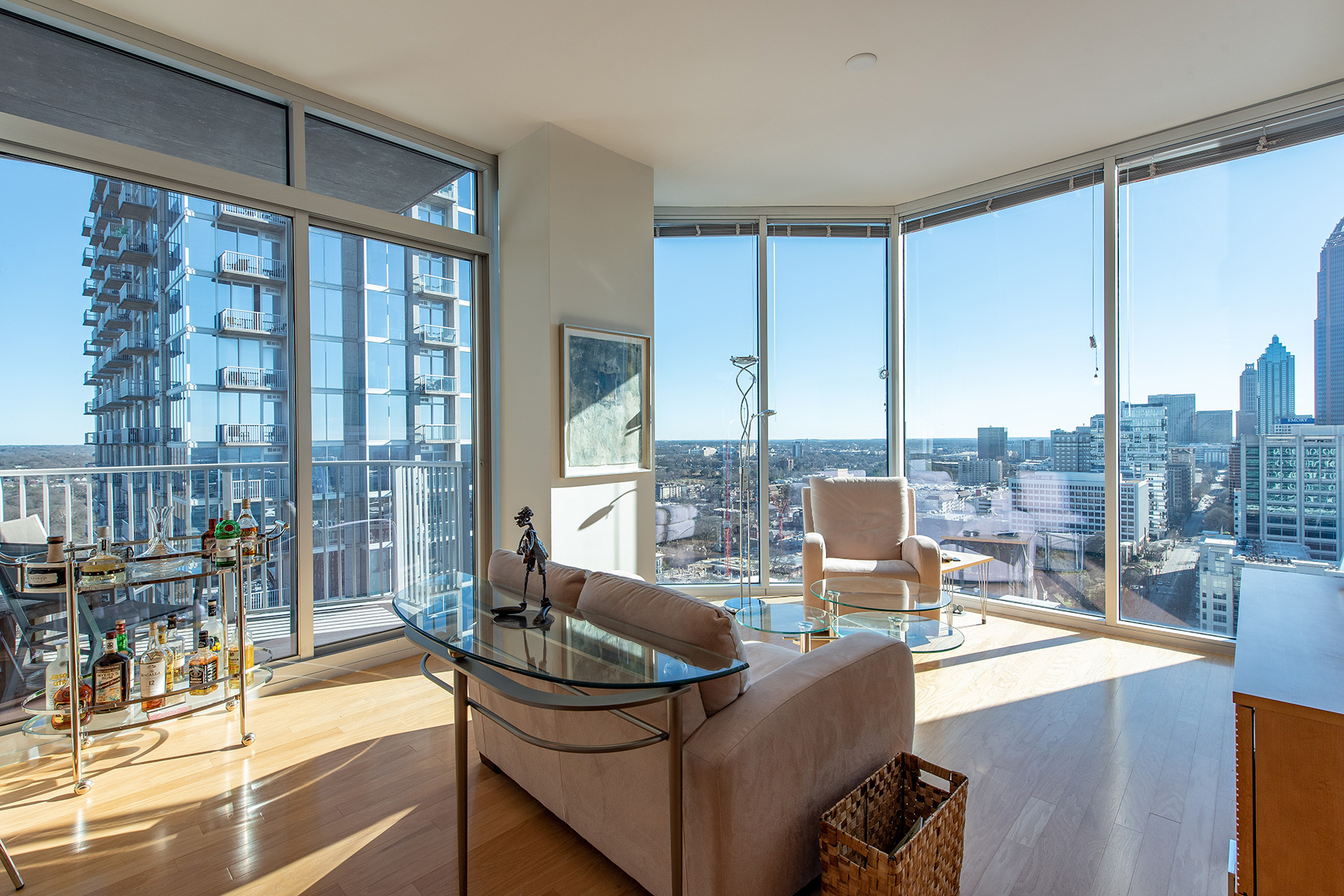 Condominium for Sale at Sophisticated Midtown Modern with Extraordinary Views 860 Peachtree St 2302 Atlanta, Georgia 30308 United States