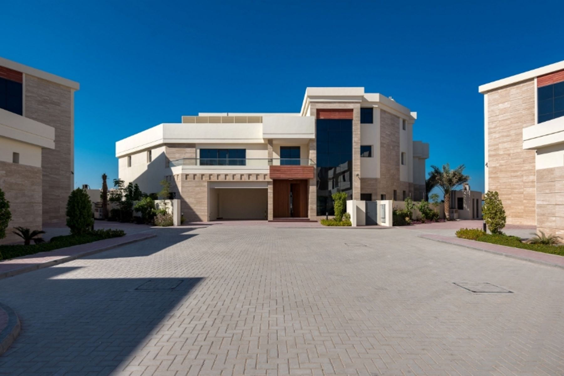 Single Family Home for Sale at Brand New Tip 5 Luxury Villas Panoramic Sea Views Dubai, Dubai United Arab Emirates