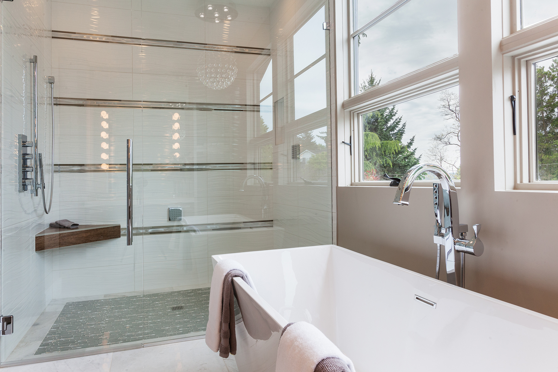 Additional photo for property listing at West Bellevue Masterpiece 102 96th Ave NE Bellevue, Washington 98004 United States