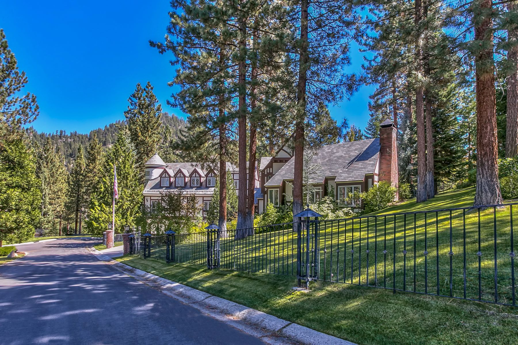 Additional photo for property listing at Classic Tahoe Tudor 1273 Hidden Woods Drive Glenbrook, Nevada 89413 United States