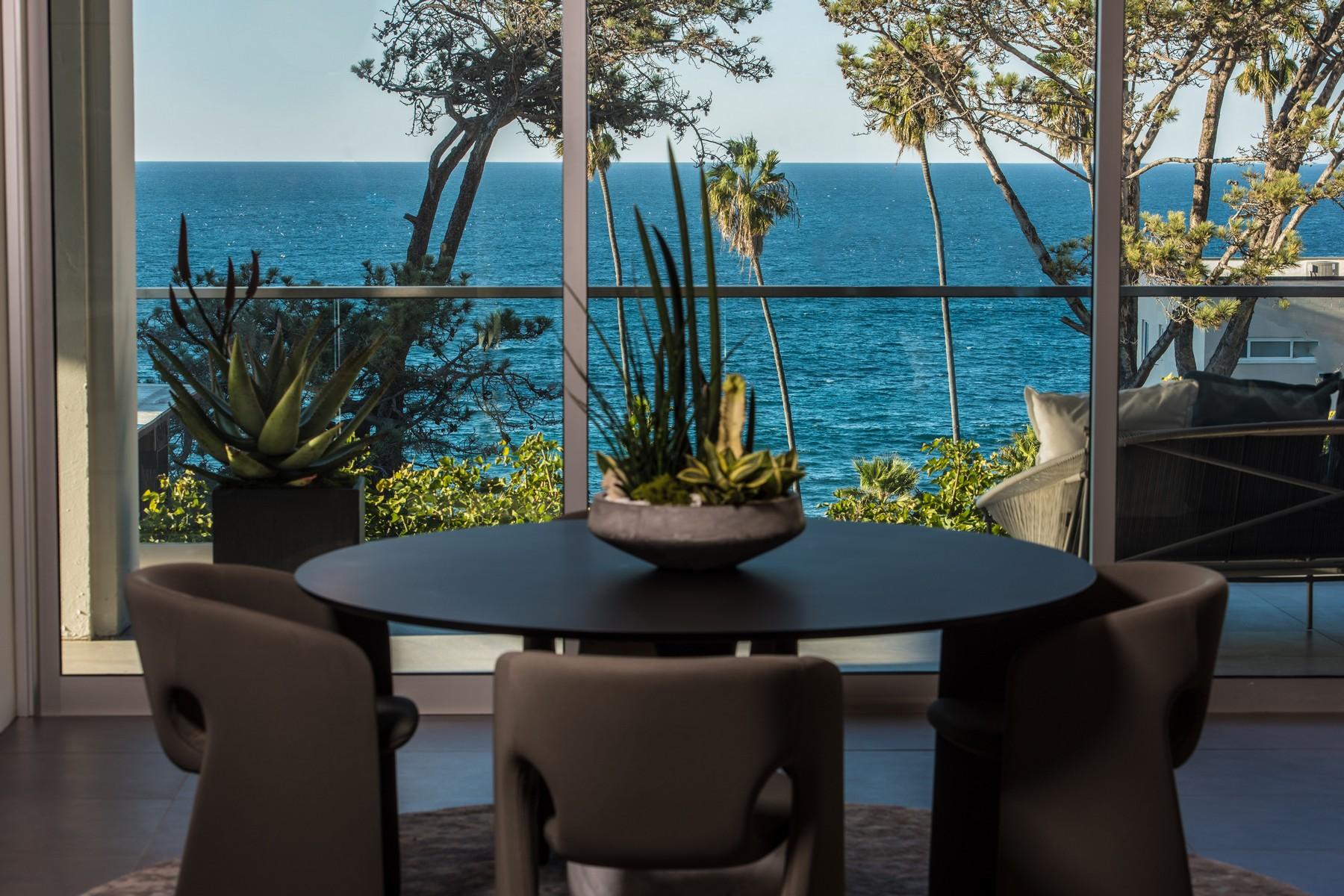 共管式独立产权公寓 为 销售 在 1020 Prospect, Unit 202 拉荷亚, 加利福尼亚州, 92037 美国