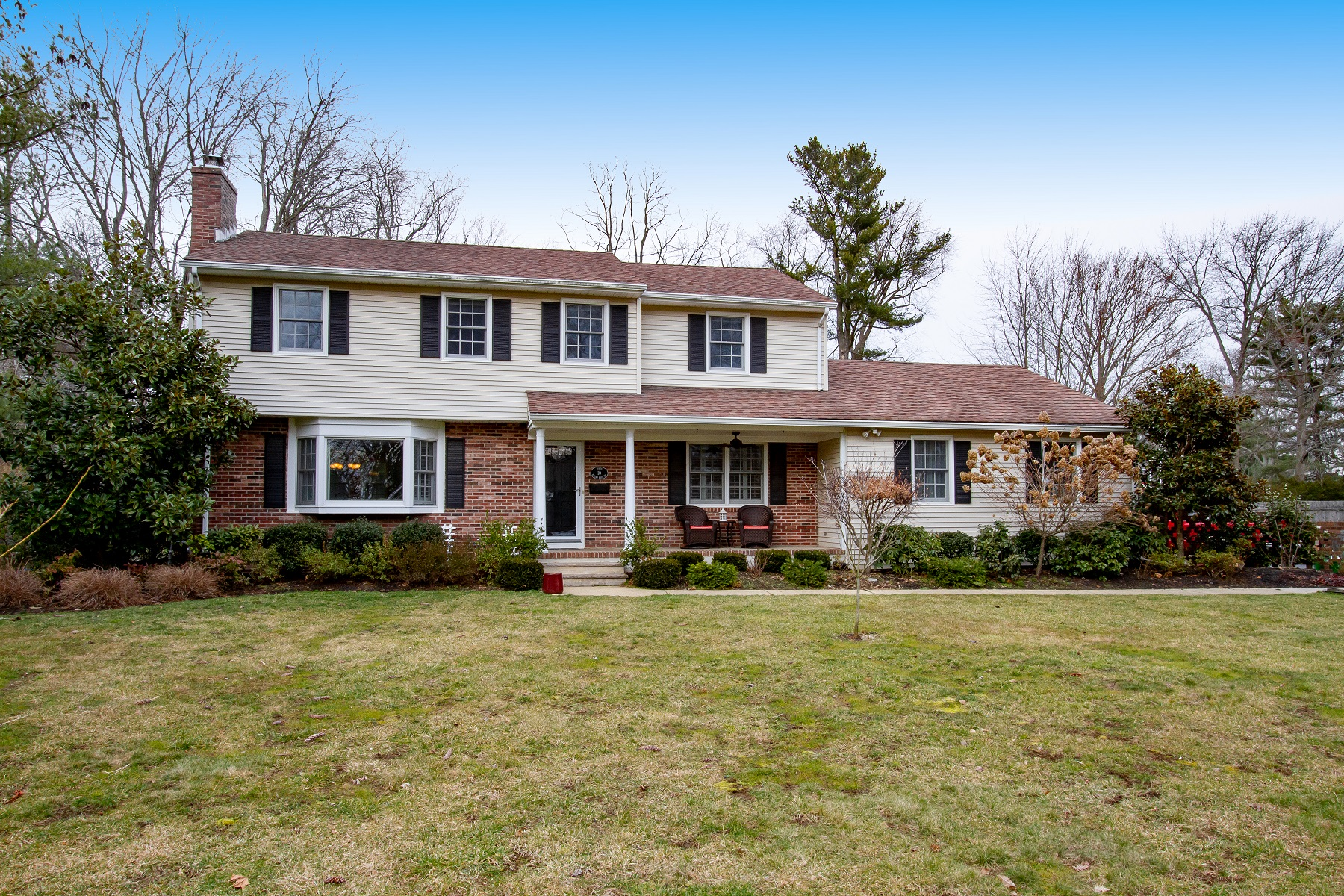 Single Family Homes for Active at 10 N Rivers Edge Drive Little Silver, New Jersey 07739 United States