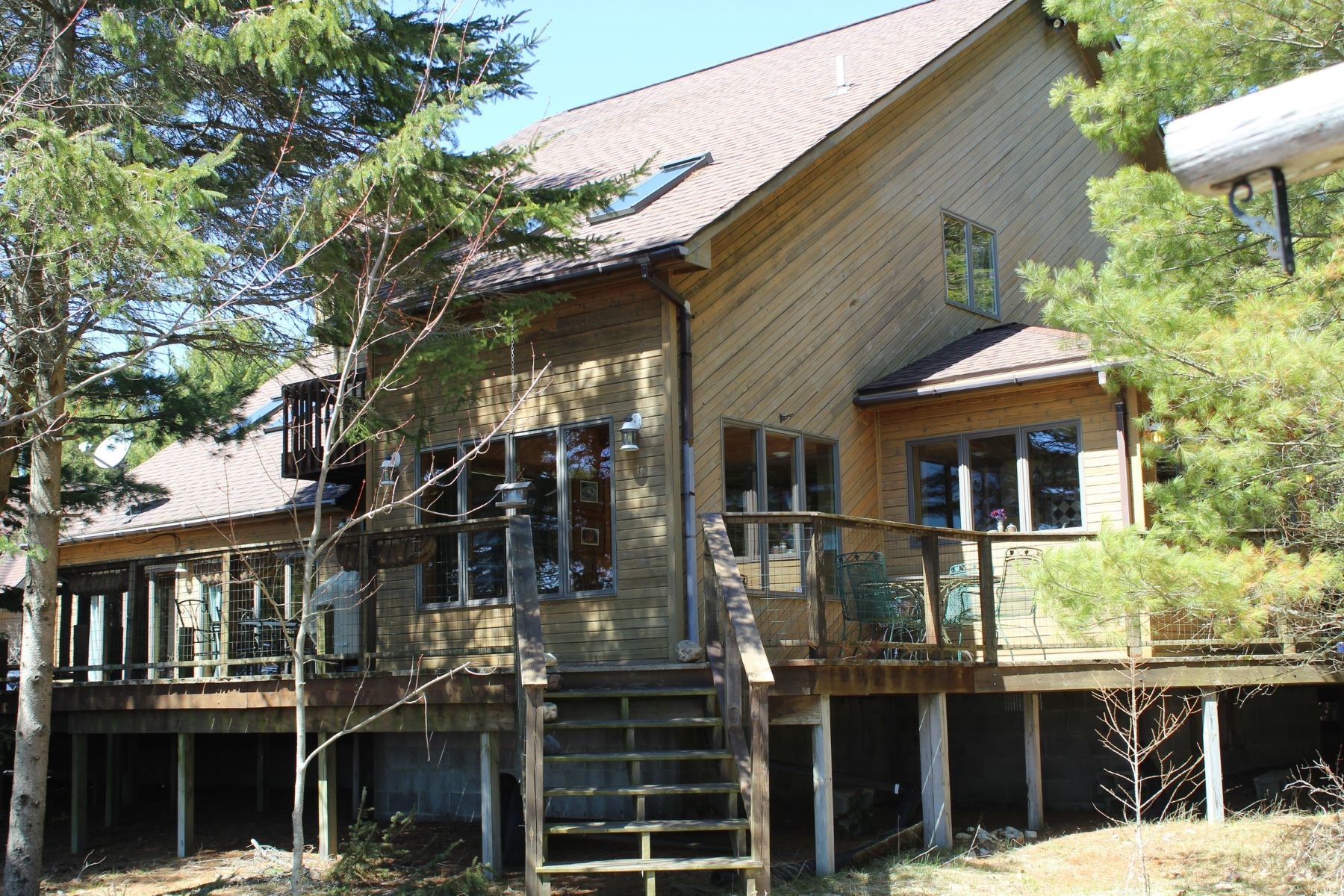Single Family Homes for Active at Upper Peninsula Lake Michigan waterfront home 7801 West US 2 Naubinway, Michigan 49762 United States