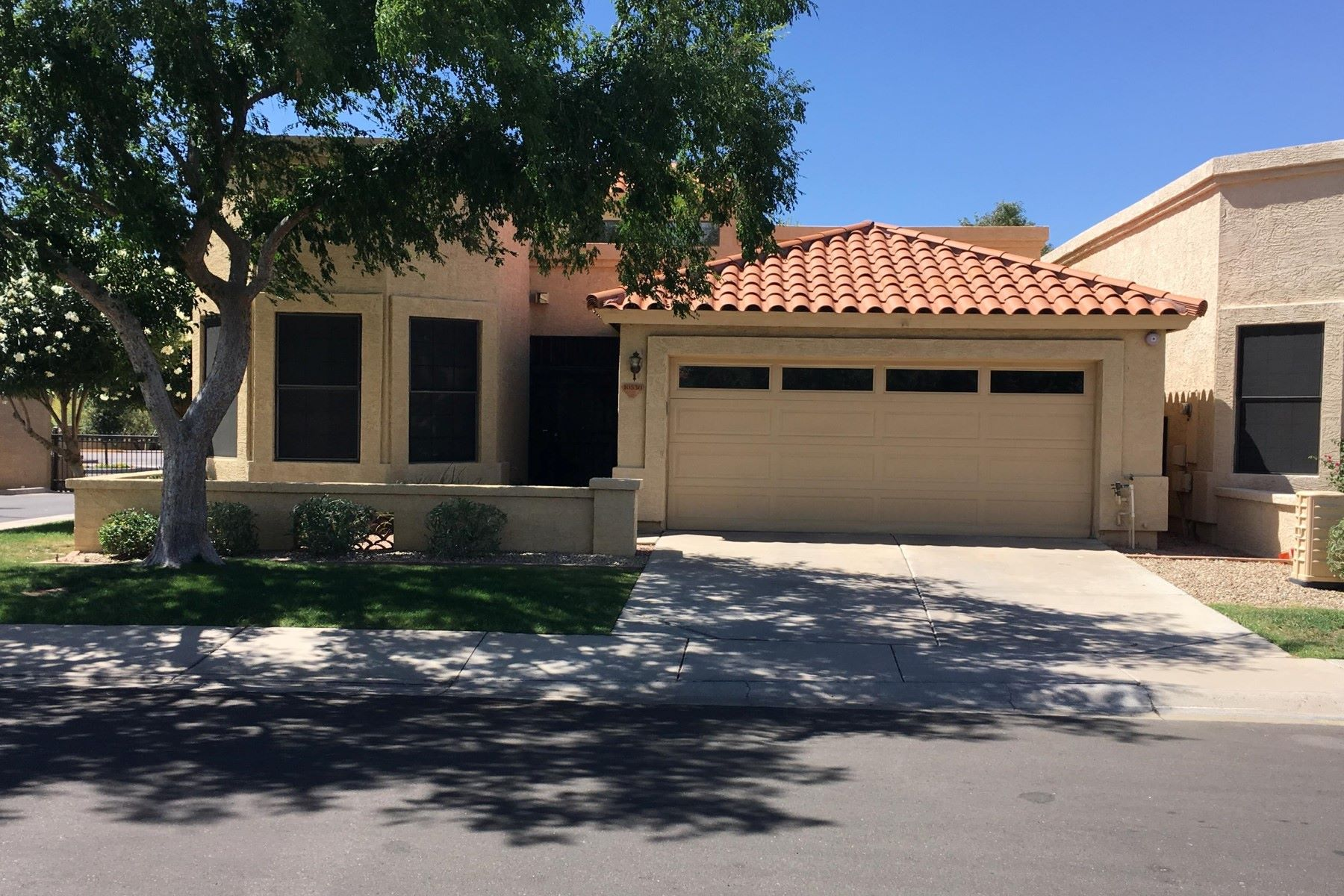 独户住宅 为 出租 在 Beautiful Patio Home 10530 E VOGEL AVE, 斯科茨代尔, 亚利桑那州, 85258 美国