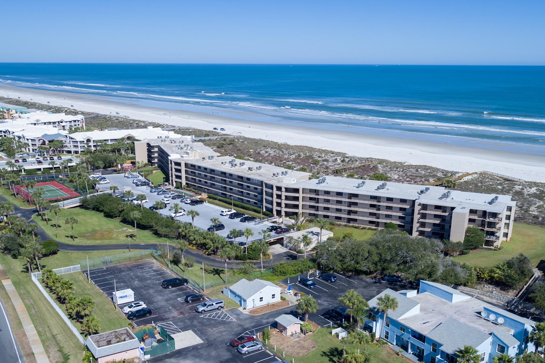 Condominio por un Venta en Barefoot Trace 6240 South A1A #208 St. Augustine, Florida, 32080 Estados Unidos