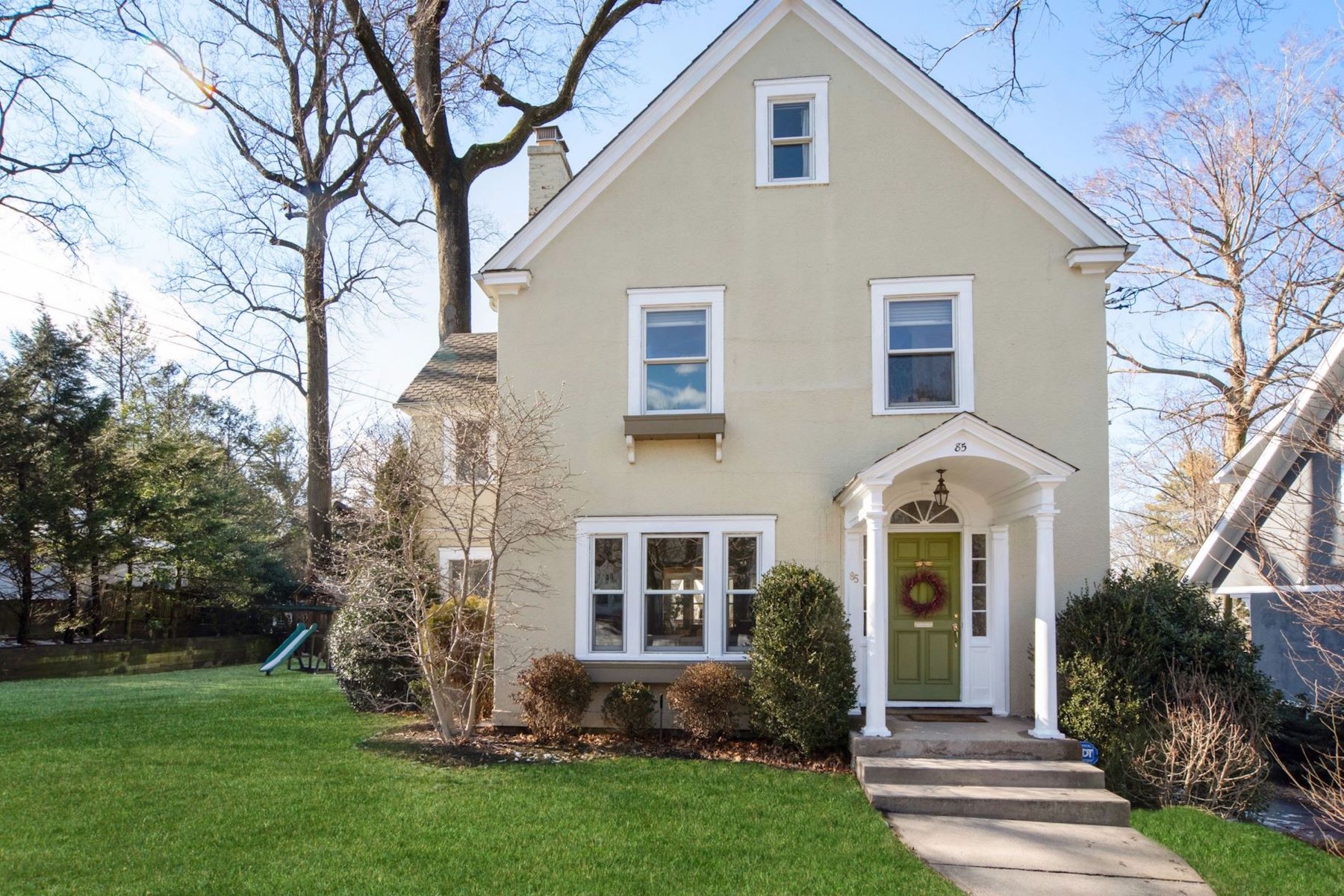 Single Family Homes for Active at 85 Cliford Avenue 85 Clifford Avenue Pelham, New York 10803 United States