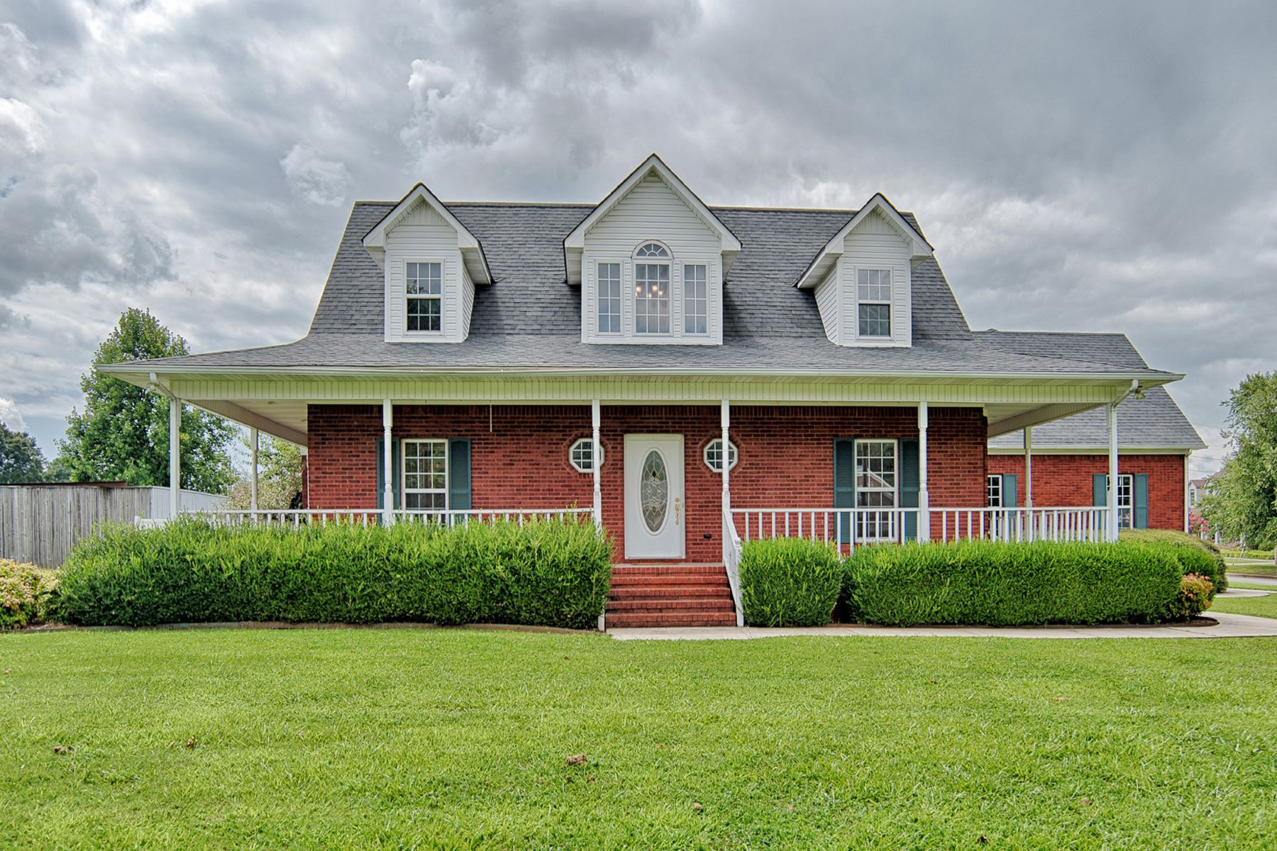 Single Family Home for Active at 17600 MARTIN DRIVE Athens, Alabama 35611 United States