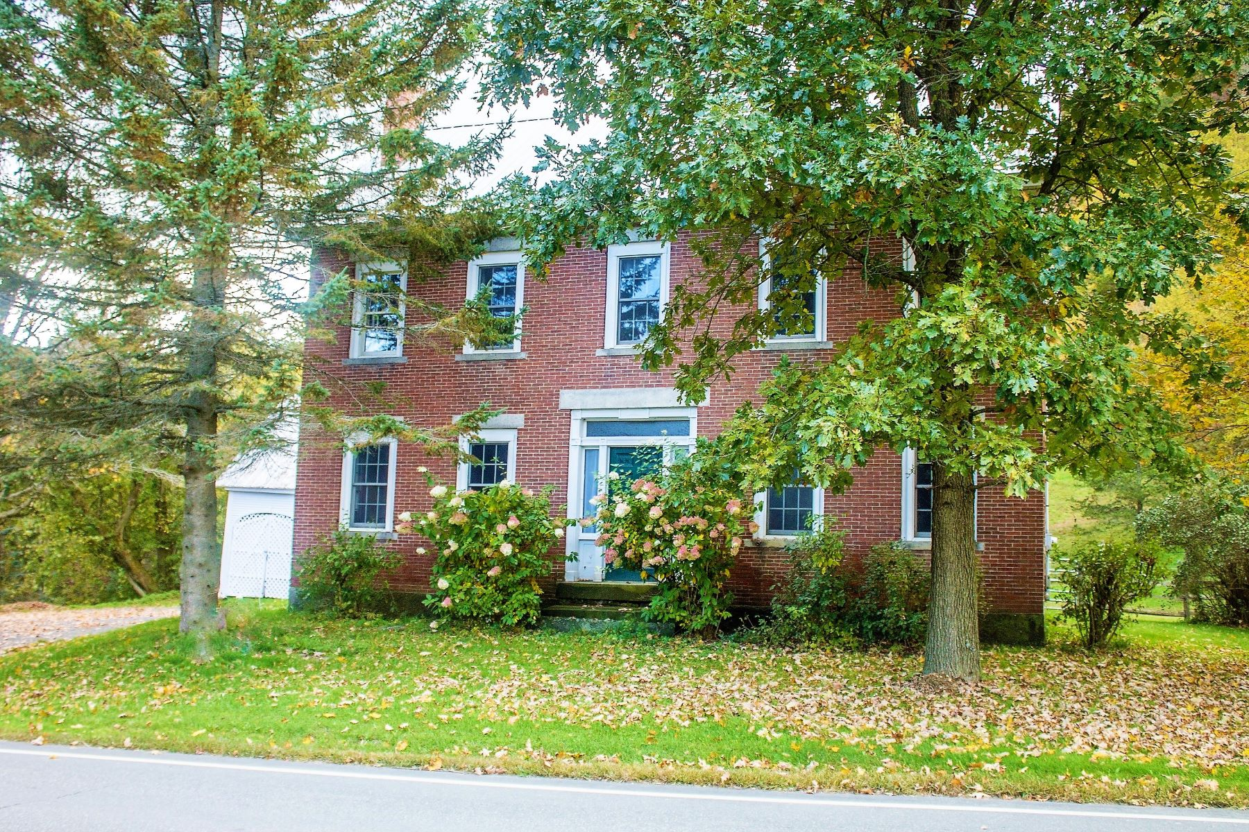 Single Family Homes for Sale at 1267 Vt Route 14 North, Randolph 1267 Vt Route 14 North Randolph, Vermont 05041 United States