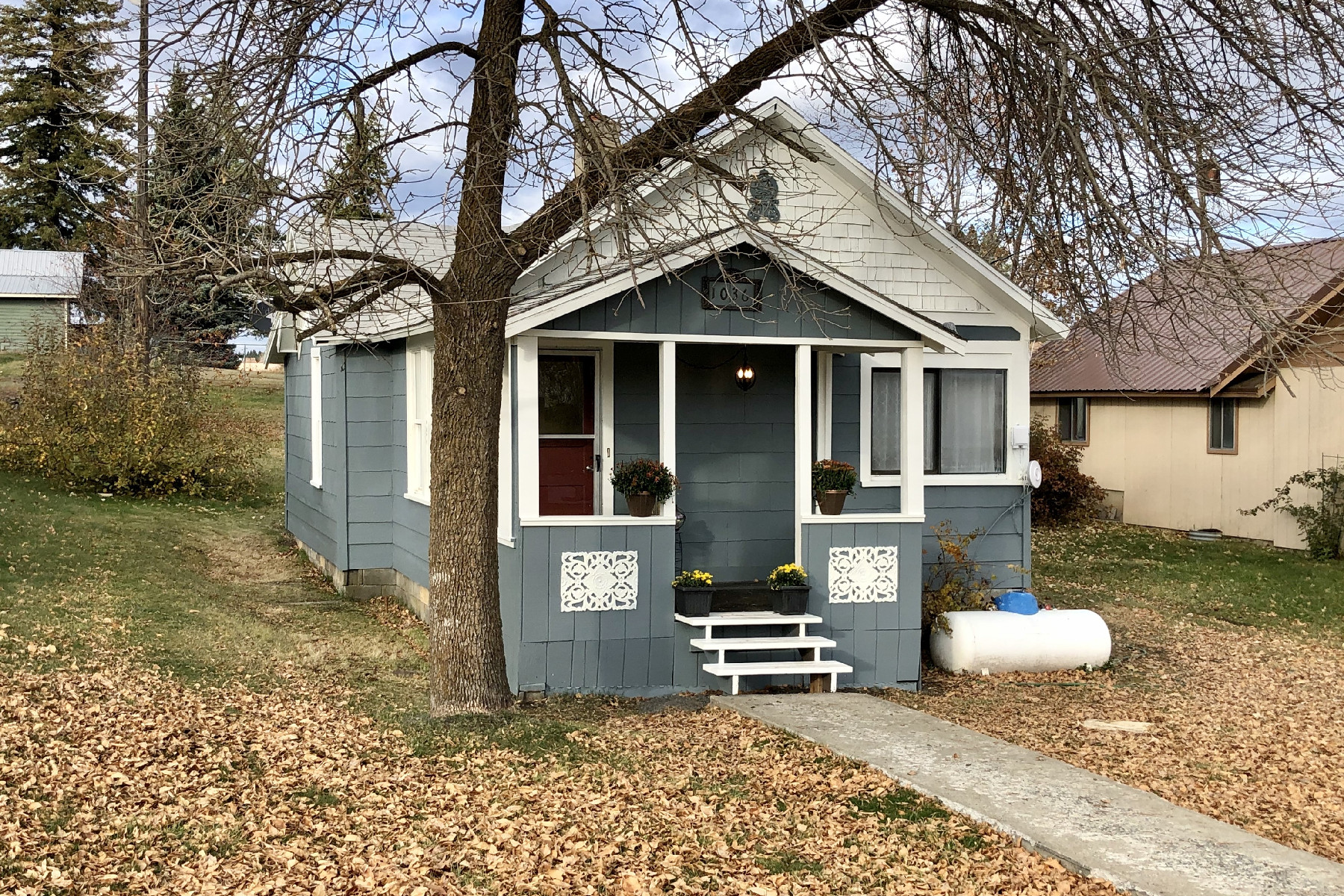 Single Family Homes for Sale at Fantastic Updated Bungalow Move-In Ready 1036 D St Plummer, Idaho 83851 United States