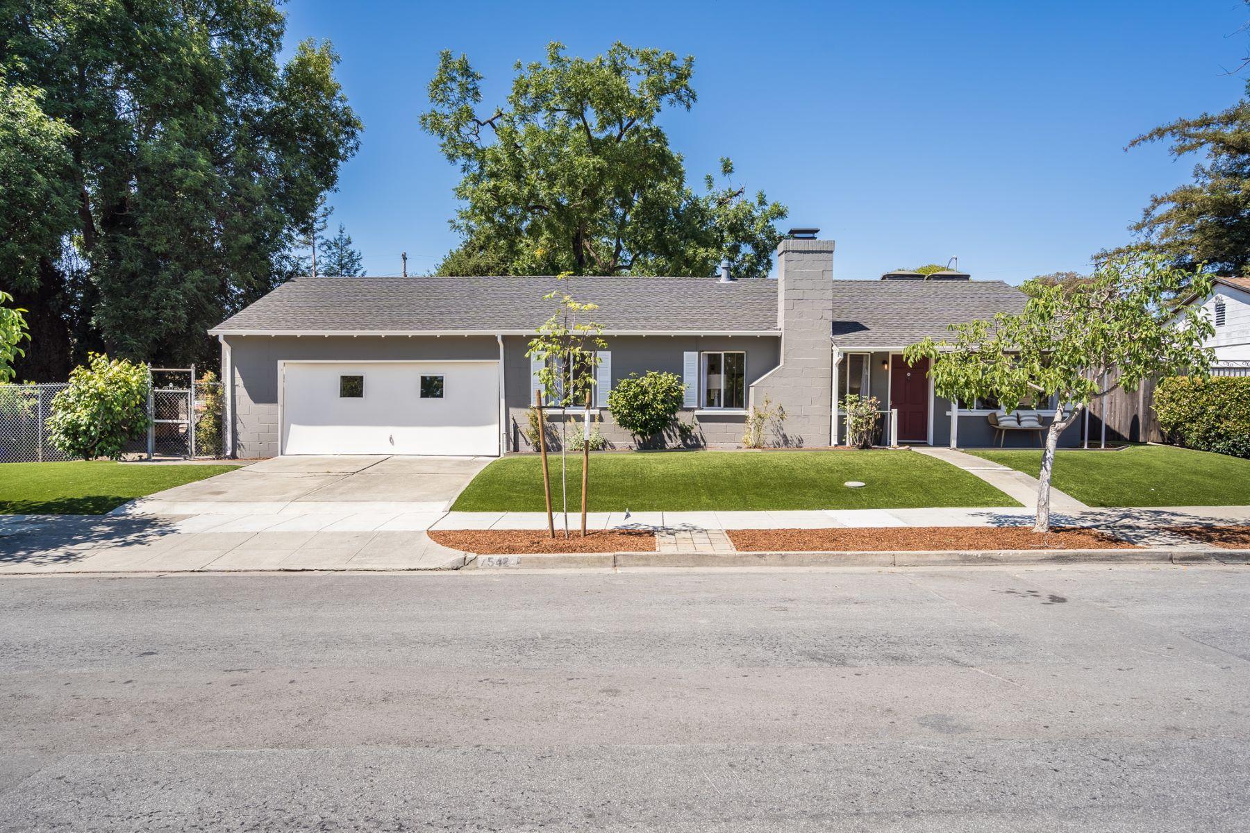 Single Family Homes 为 销售 在 542 Lancaster Way 雷德伍德城, 加利福尼亚州 94062 美国