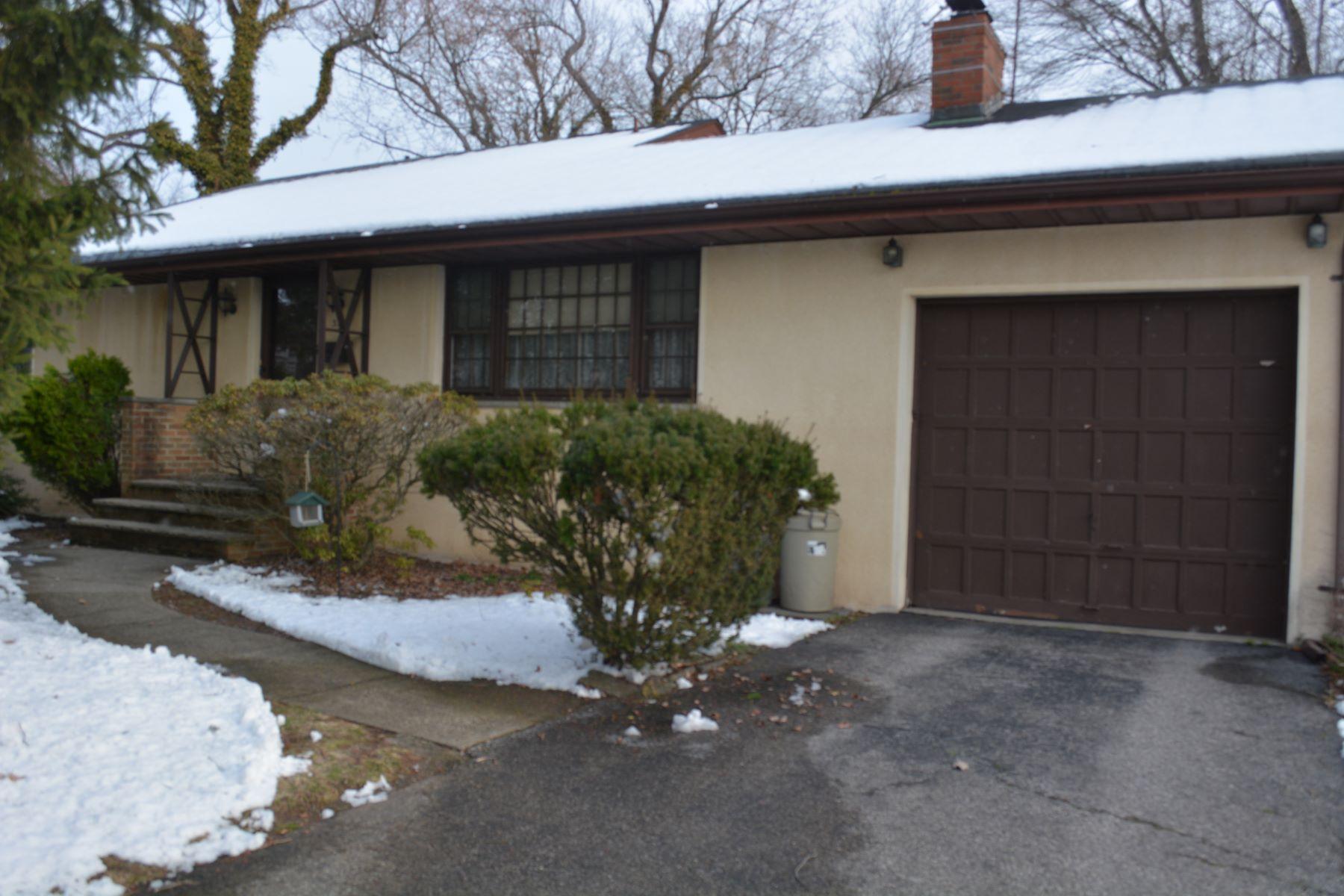 واحد منزل الأسرة للـ Sale في One Floor Living 323 White Ave, Northvale, New Jersey, 07647 United States