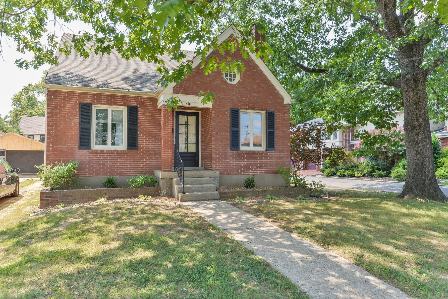 Single Family Home for Sale at 400 Wendover Avenue Louisville, Kentucky 40207 United States