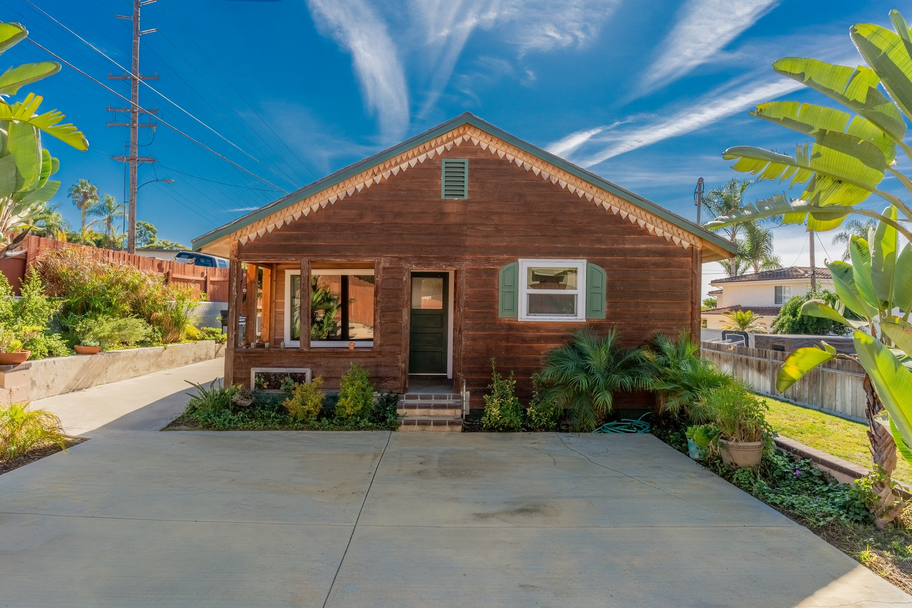 Single Family Home for Active at 742 Ida Ave. 742 Ida Ave. Solana Beach, California 92075 United States