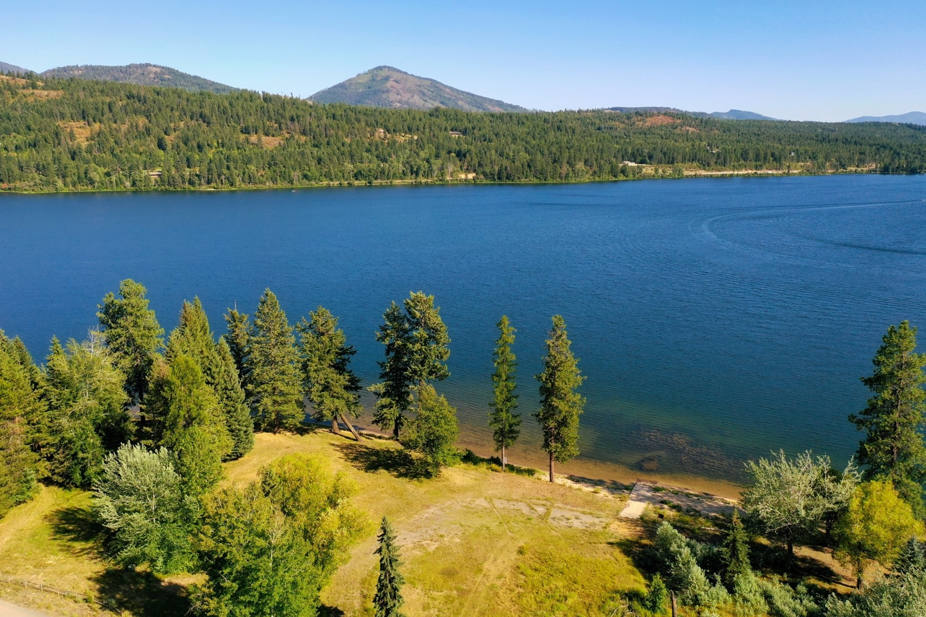 Terreno por un Venta en Your own private sandy beach on Lake Cocolalla, Lot 1 Lot 1 Sandy Beach Ln Cocolalla, Idaho 83813 Estados Unidos