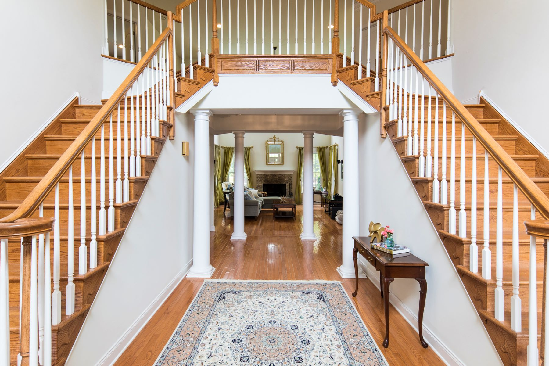 Additional photo for property listing at Room For Everyone With Five En Suite Bedrooms 68 Fox Chase Lane, Belle Mead, New Jersey 08502 United States