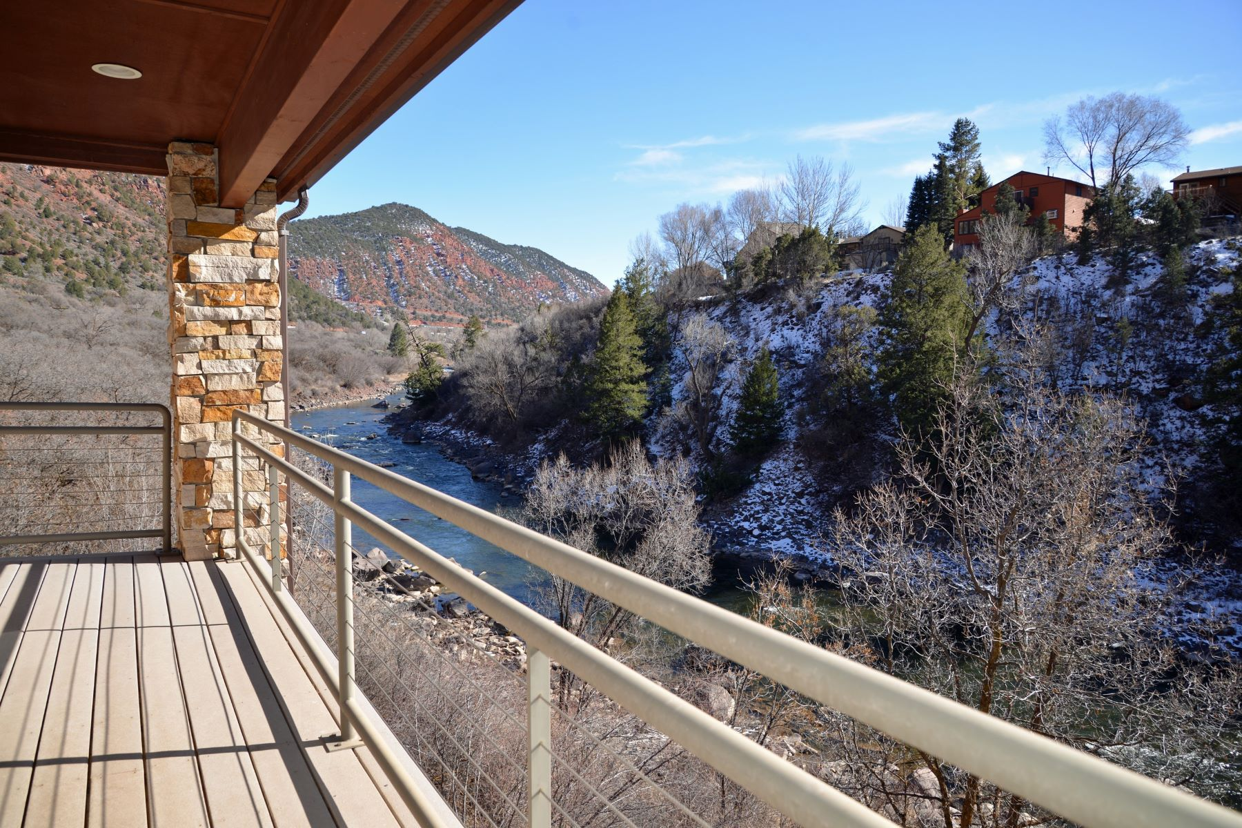 Casa Unifamiliar por un Venta en Private Home on the Roaring Fork River 1601 County Road 154 Glenwood Springs, Colorado, 81601 Estados Unidos
