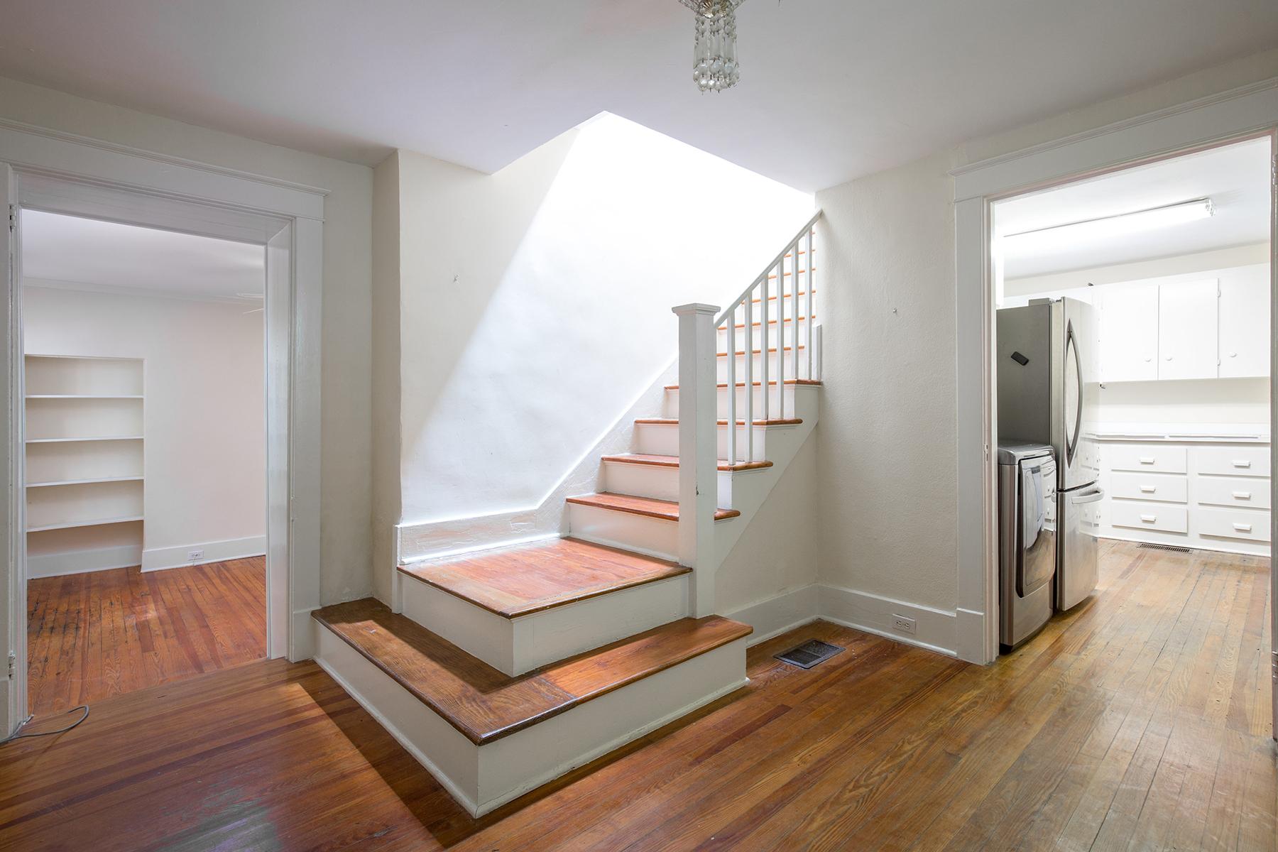 独户住宅 为 销售 在 8 Elliott Street B South Of Broad, 查尔斯顿, 南卡罗来纳州, 29401 美国