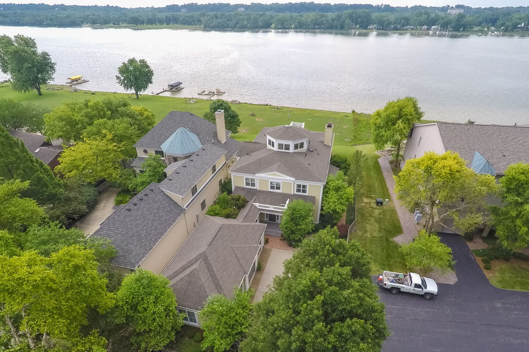 Additional photo for property listing at 2200.25 Utica Pike  Jeffersonville, Indiana 47130 United States