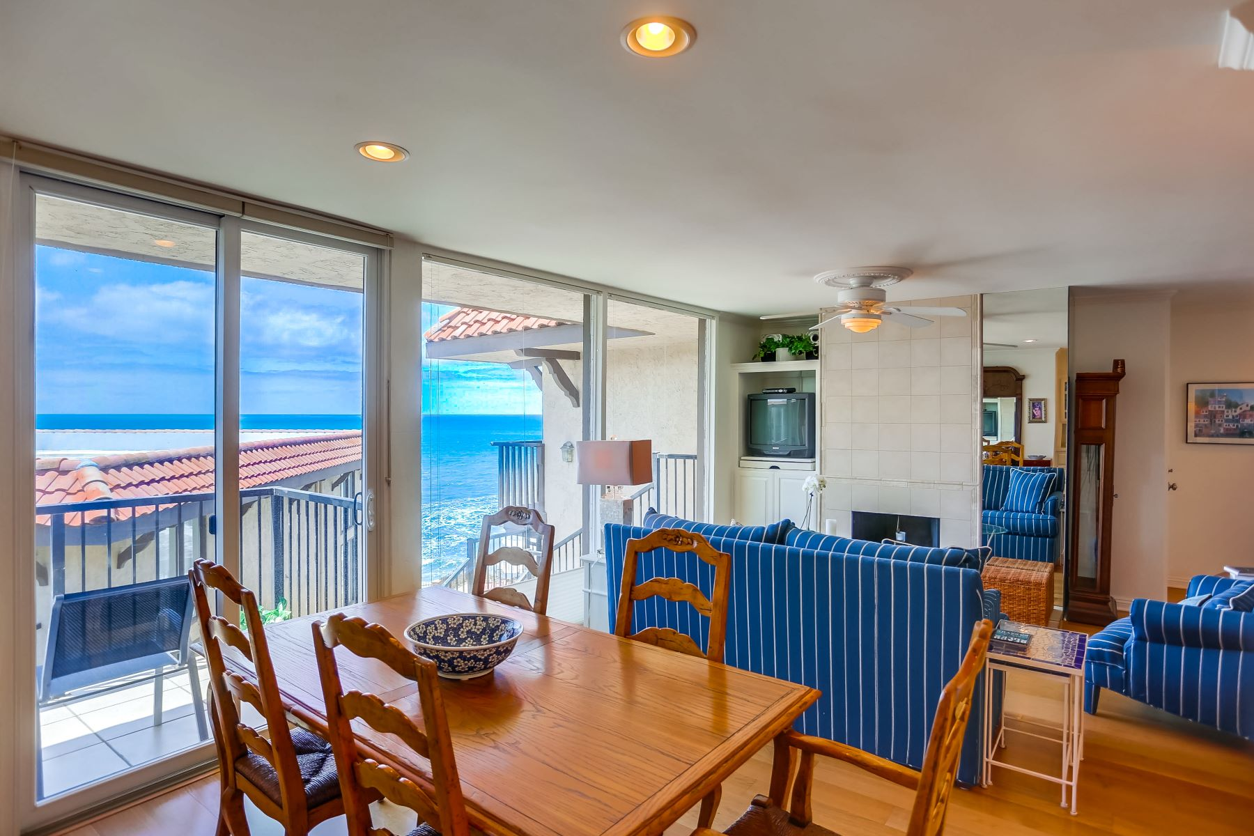 Condominium for Active at 190 Del Mar Shores Terrace #84 190 Del Mar Shores Terrace #84 Solana Beach, California 92075 United States
