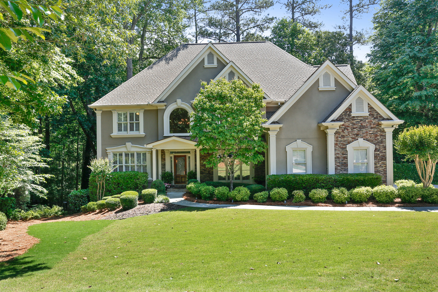 Single Family Home for Sale at Exquisite Executive Home in Milton 320 Oak Hill Ct Milton, Georgia 30004 United States