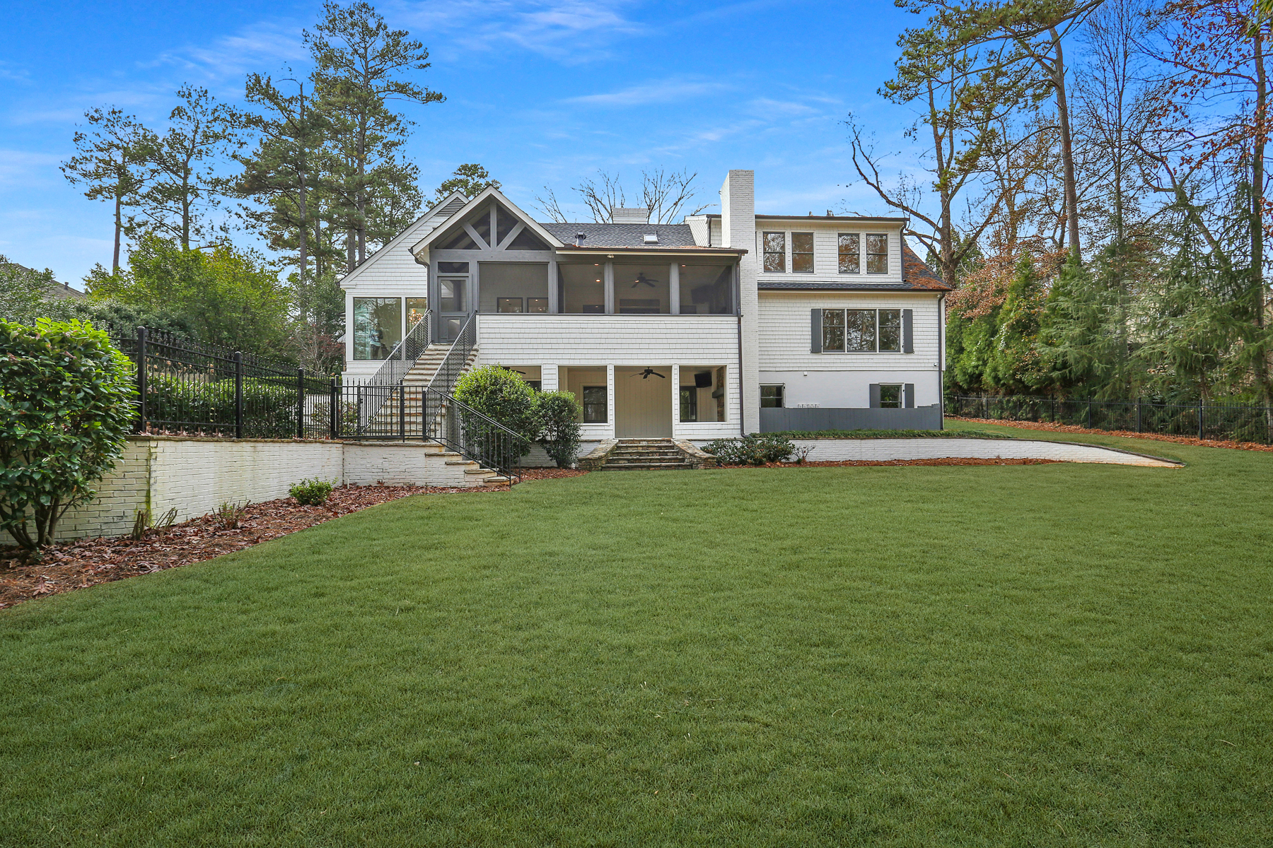 Additional photo for property listing at Complete Renovation By Derazi Homes 2871 Mabry Road NE Brookhaven, Georgia 30319 United States