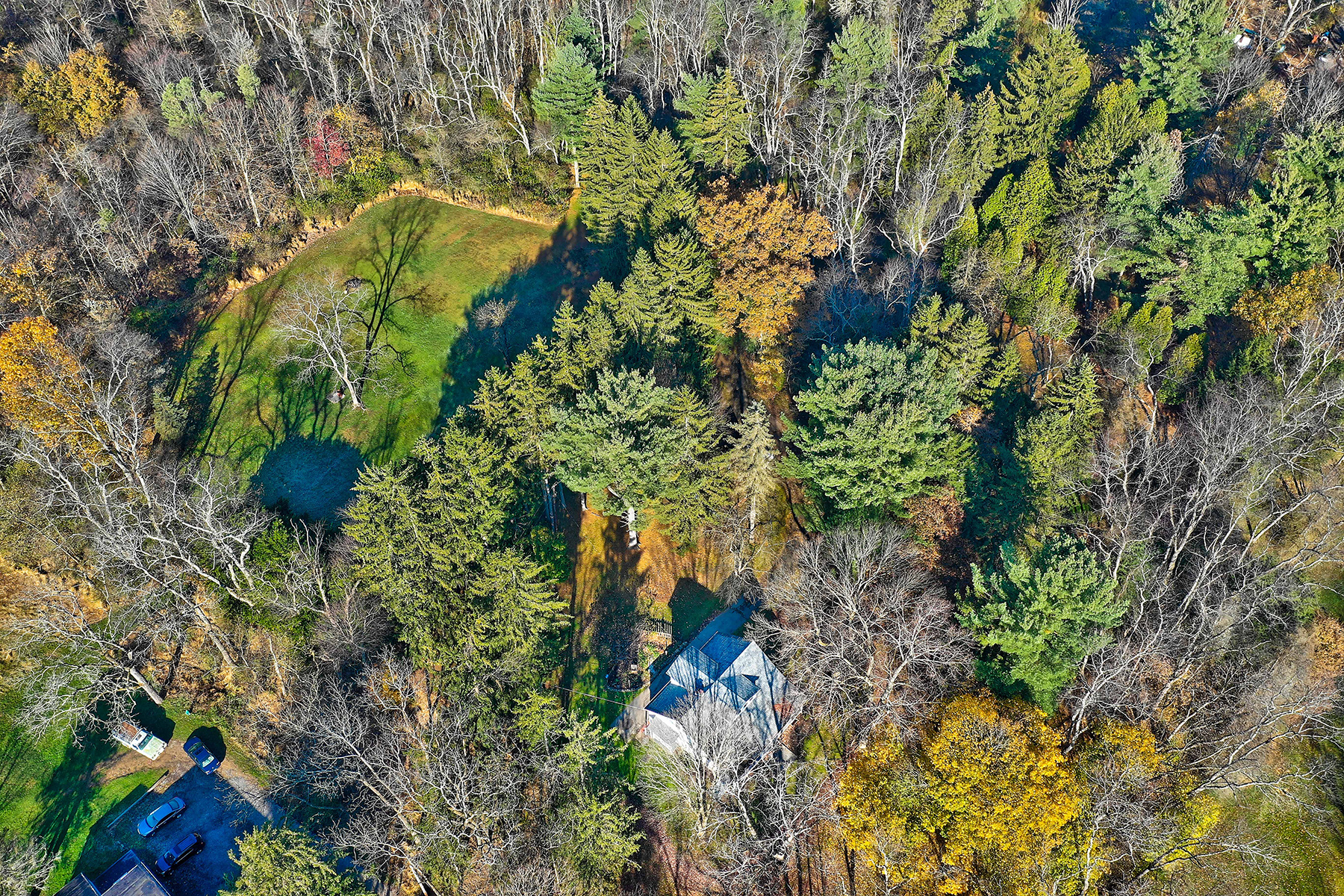 Single Family Homes for Sale at 5031 S Pioneer Rd, Gibsonia, Pennsylvania 15044 United States