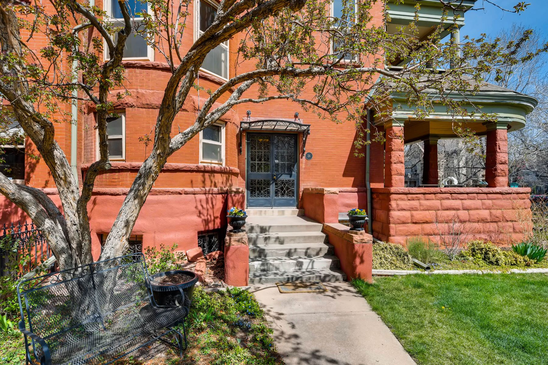 Single Family Home for Active at Pennborough Condos 1165 Pennsylvania Street Unit 2A Denver, Colorado 80203 United States