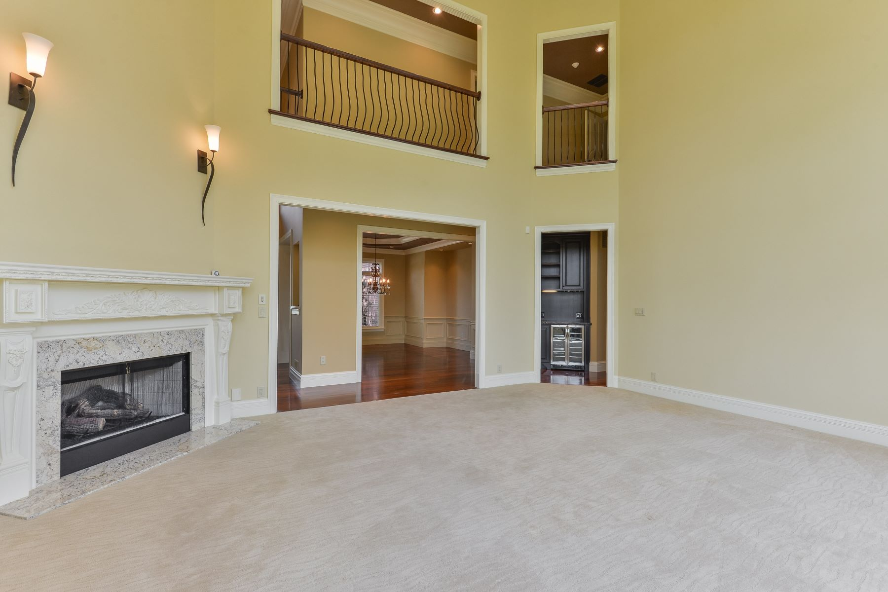 Additional photo for property listing at 2104 Highland Springs Place  Louisville, Kentucky 40245 United States