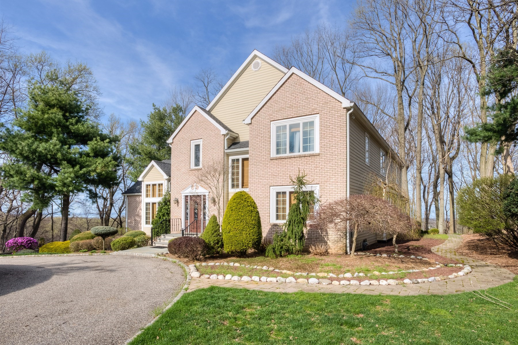 Single Family Home for Sale at Hilltop Privacy 10 Alexis Court Holmdel, New Jersey 07733 United States