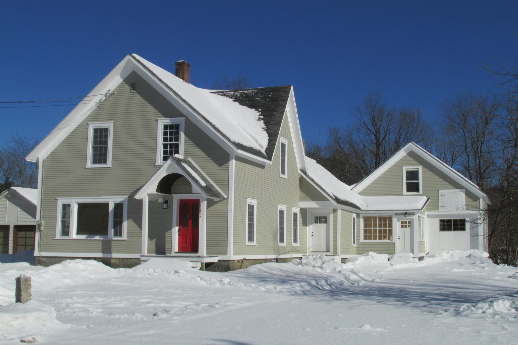 Single Family Home for Sale at Charming Village Farmhouse 462 Elm St Chester, Vermont 05143 United States